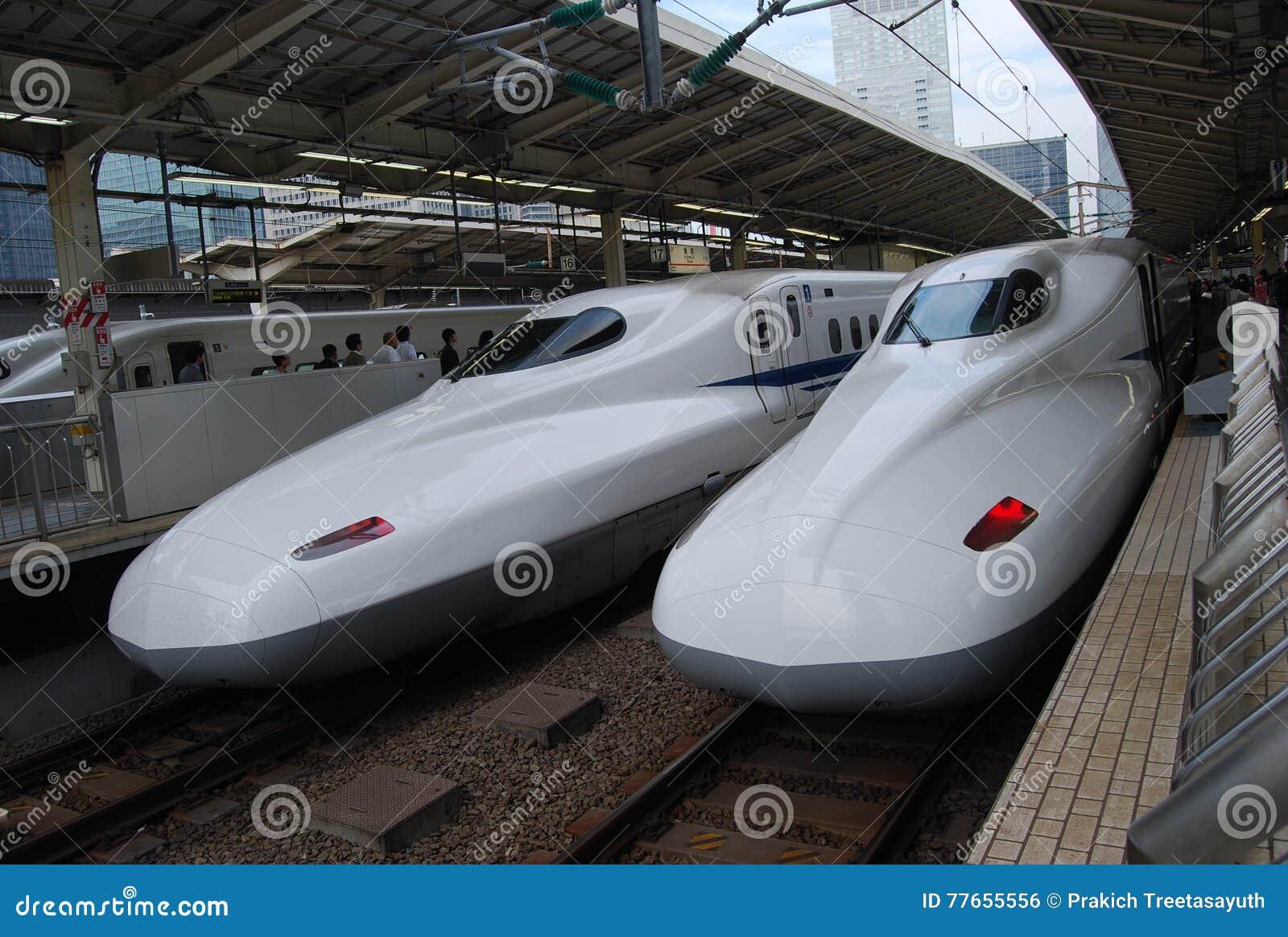 Το Shinkansen είναι μεγάλο τραίνο στην Ιαπωνία