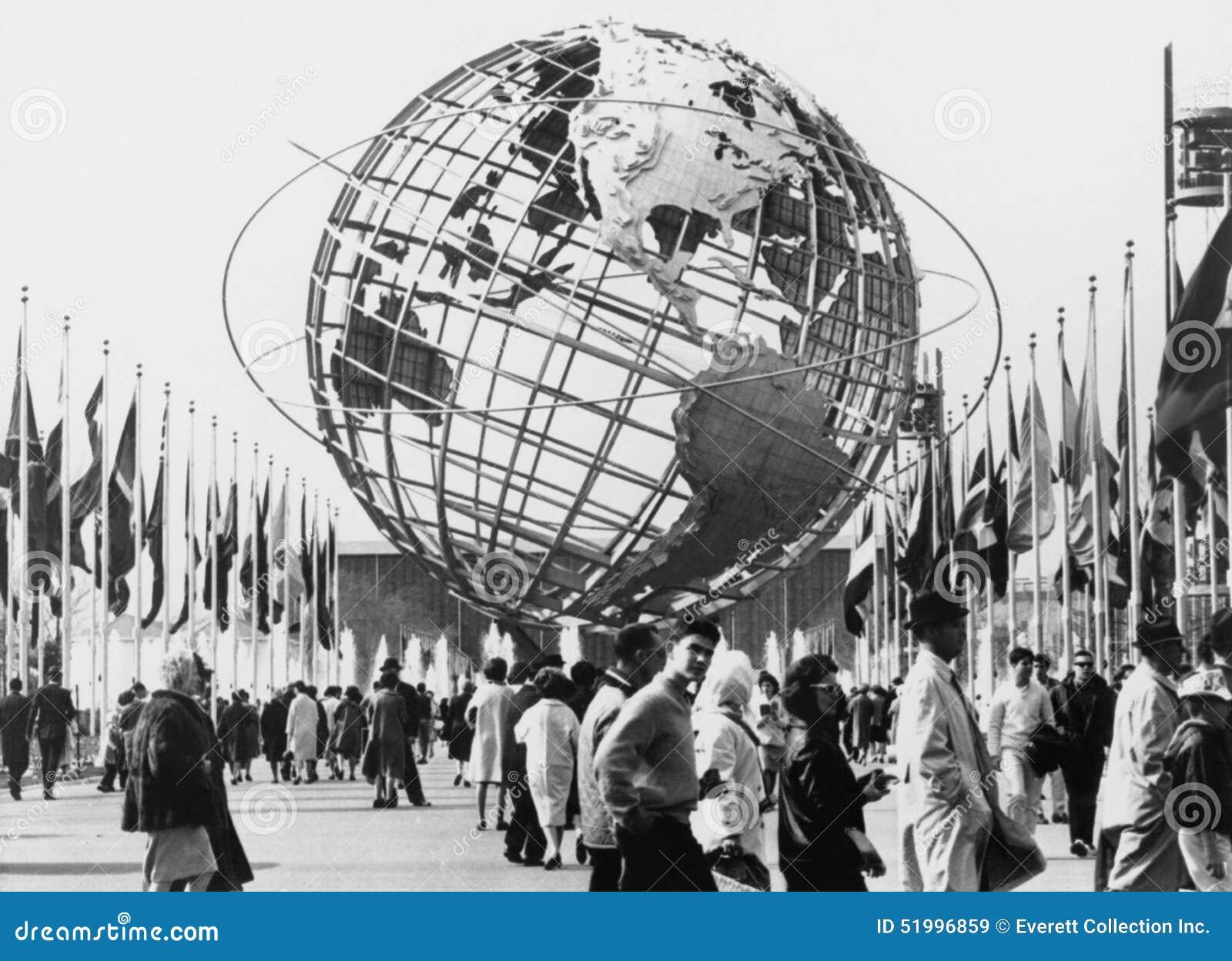 Το Unisphere, σύμβολο της παγκόσμιας έκθεσης της Νέας Υόρκης 1964-65 Ξεπλένοντας πάρκο λιβαδιών, Νέα Υόρκη (όλα τα πρόσωπα που απ