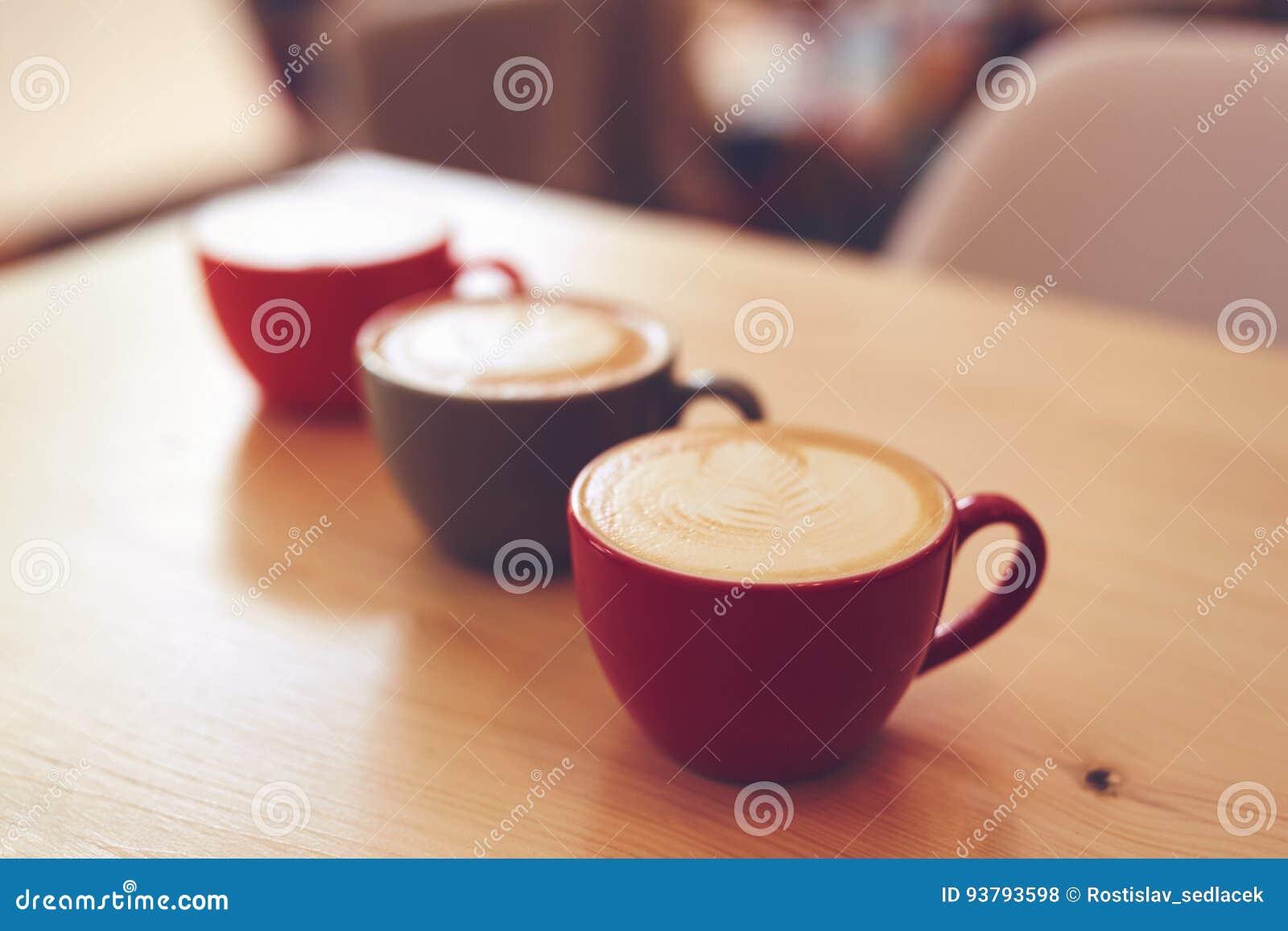 Τρία φλυτζάνια του cappuccino