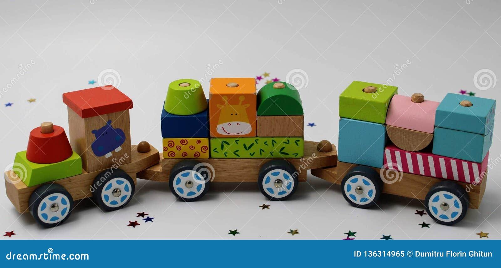 τραίνο παιχνιδιών ξύλινο