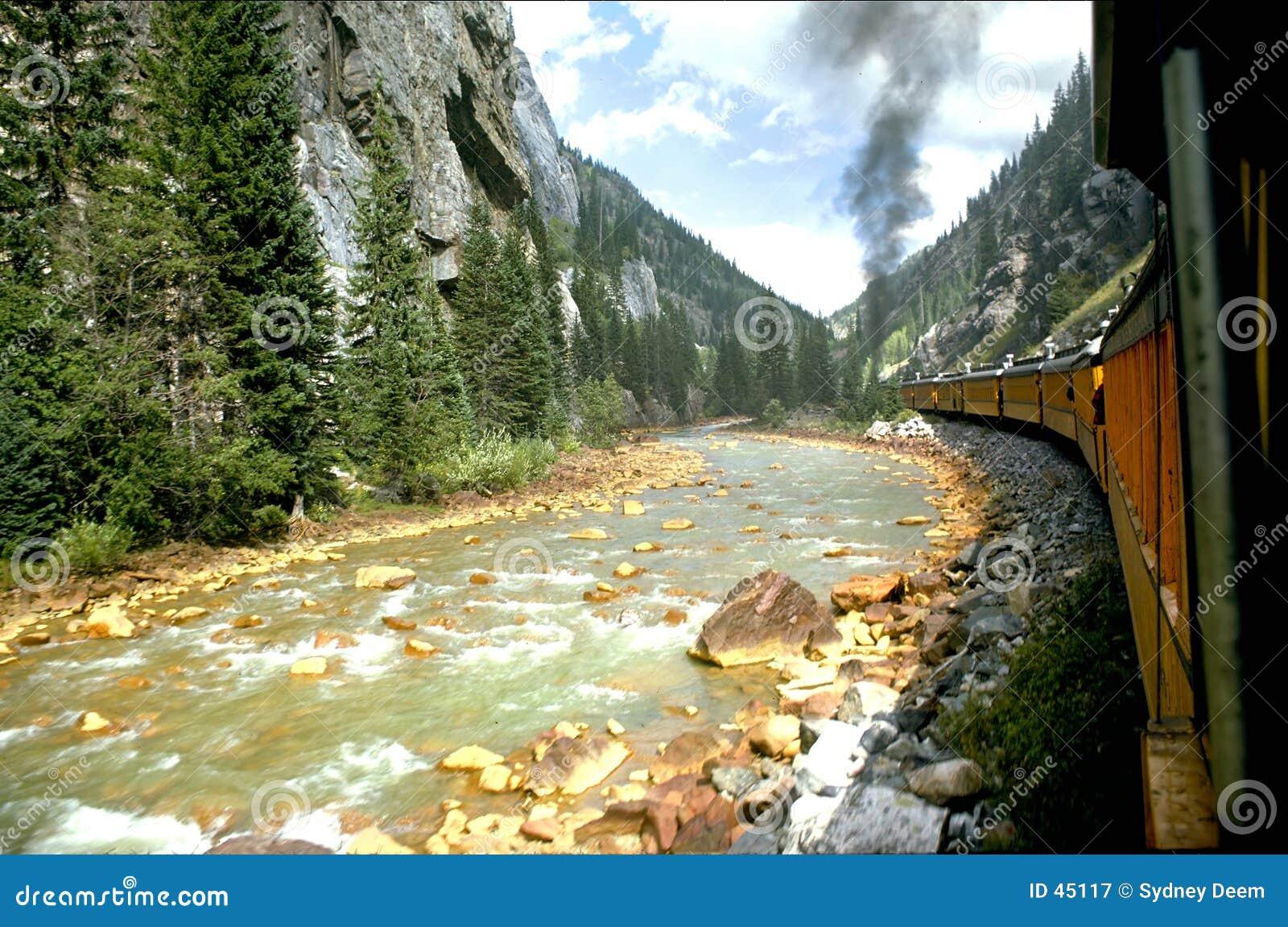 τραίνο ποταμών
