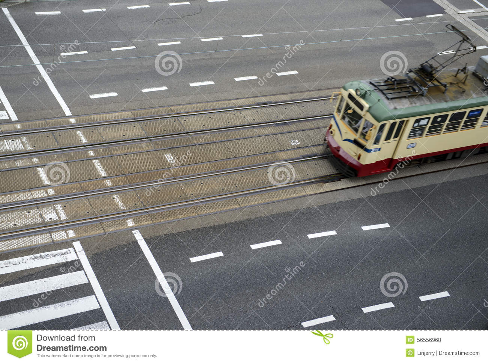 Download Τραμ στην κίνηση στοκ εικόνες. εικόνα από ιαπωνικά, κέντρο - 56556968