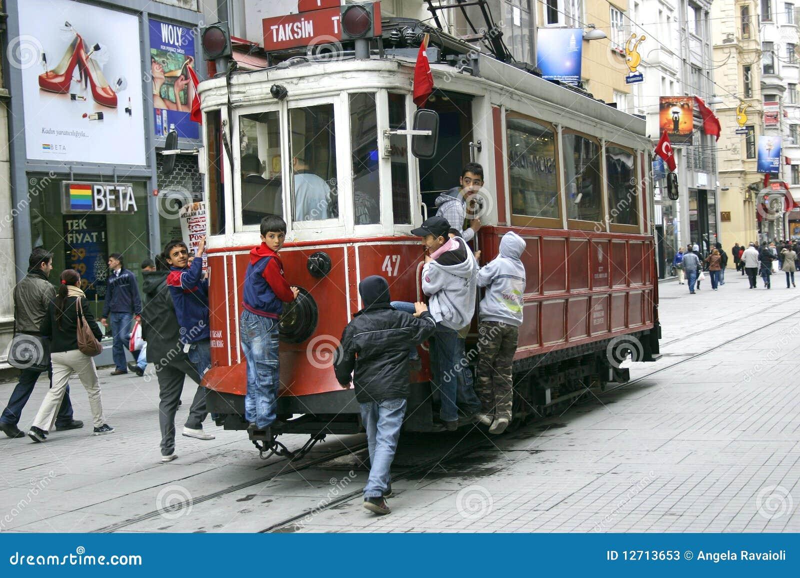 τραμ της Κωνσταντινούπολ&e