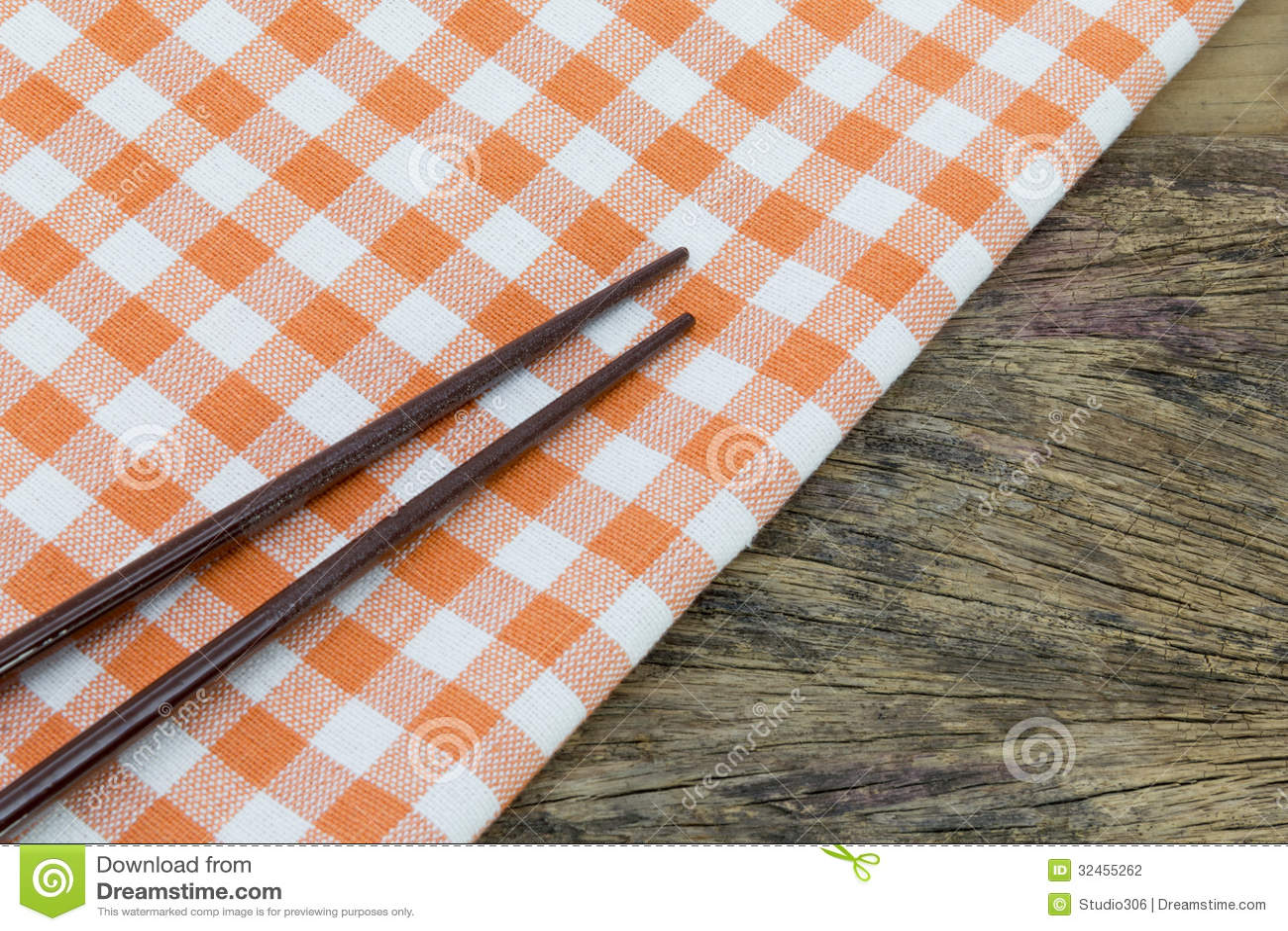 Τραπεζομάντιλο με chopsticks