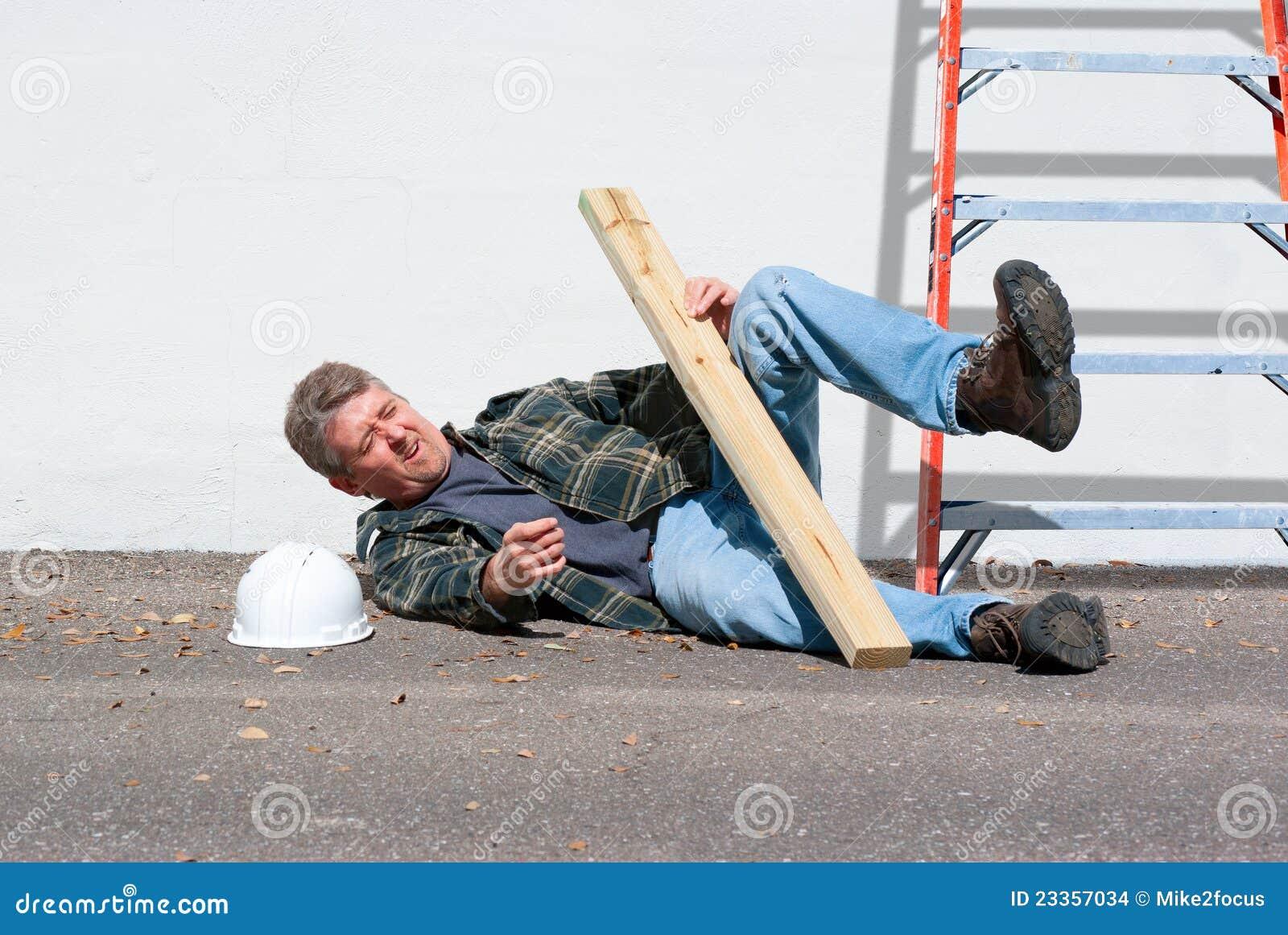 τραυματισμένος κατασκευή εργαζόμενος