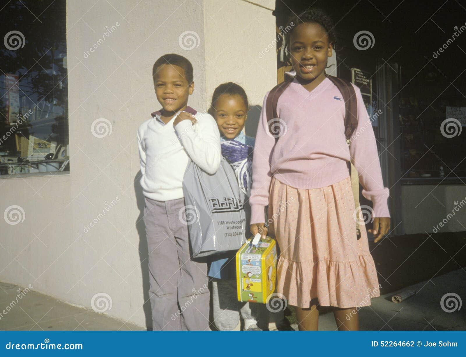 Τρεις στοιχειώδεις μαθητές αφροαμερικάνων, Μπέβερλι Χιλς, ασβέστιο