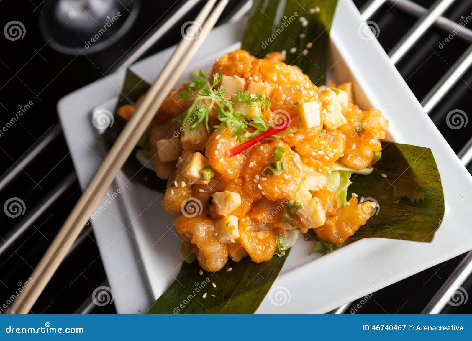 Τριζάτο ταϊλανδικό πιάτο γαρίδων
