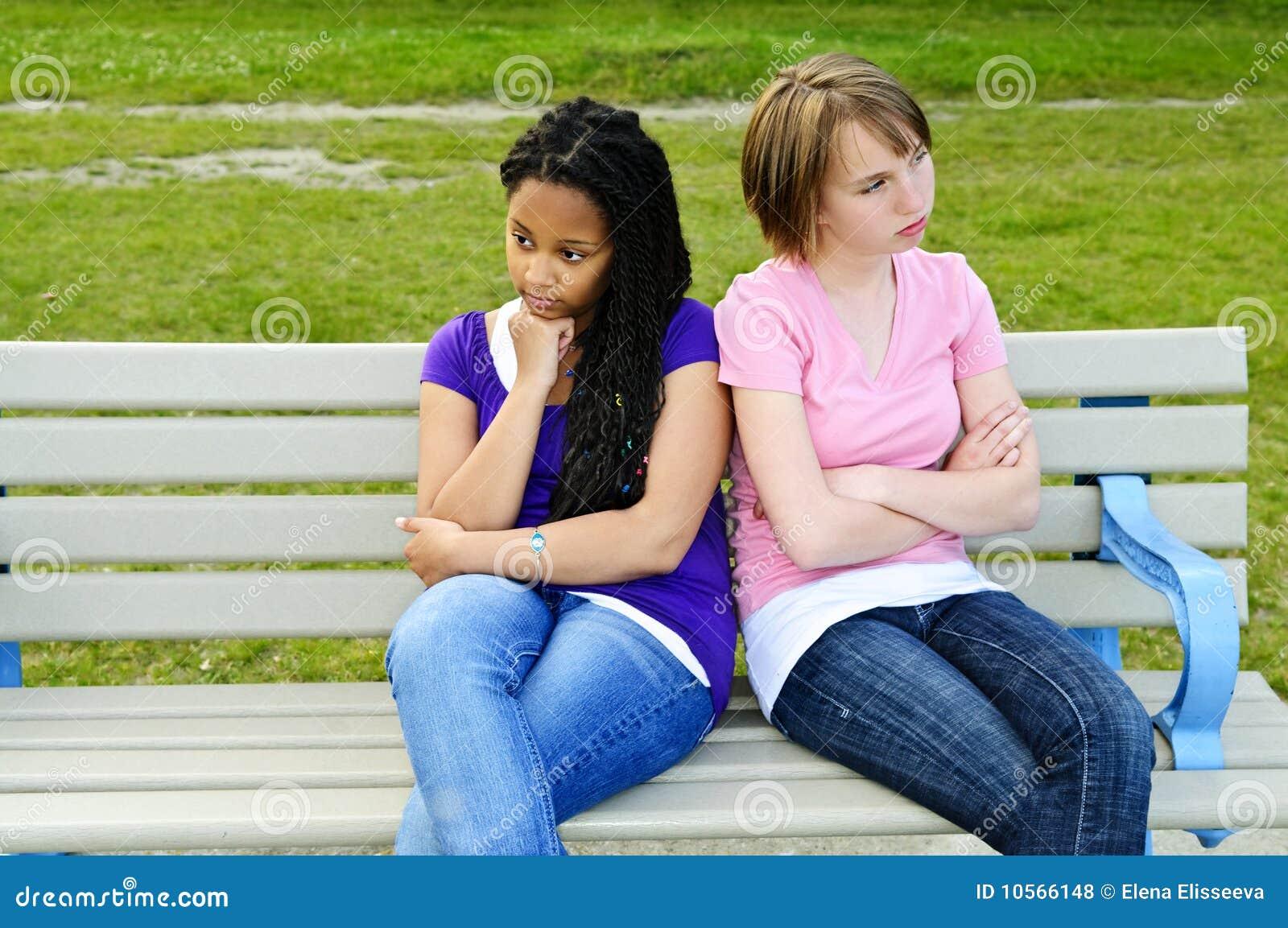 τρυπημένα κορίτσια εφηβι&kappa