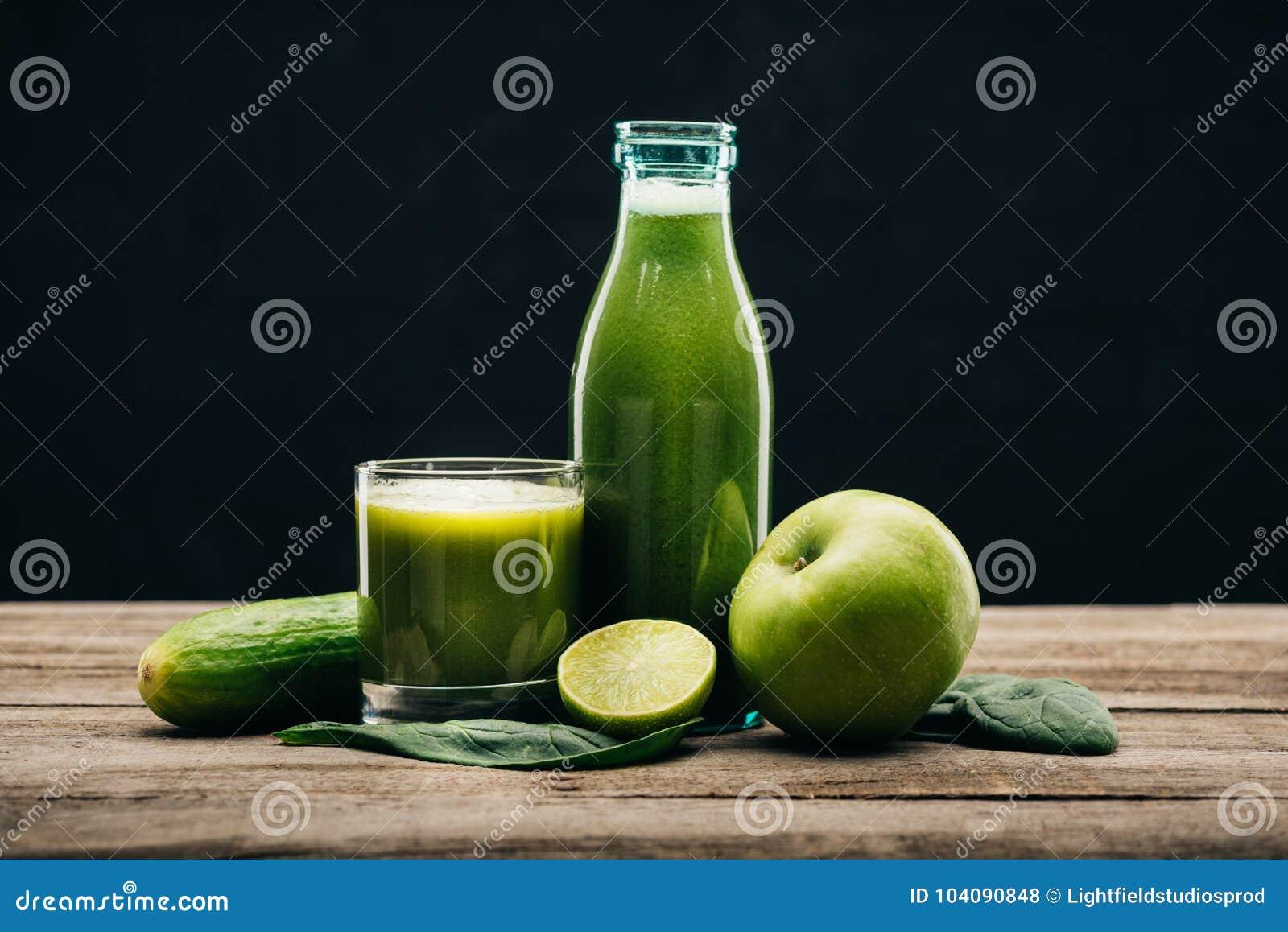 Τρόφιμα και detox χυμός