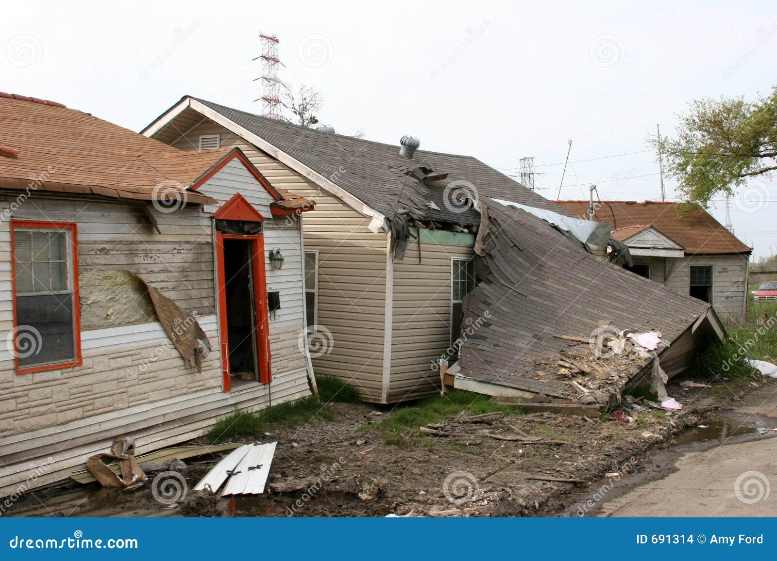 τυφώνας καταστροφής