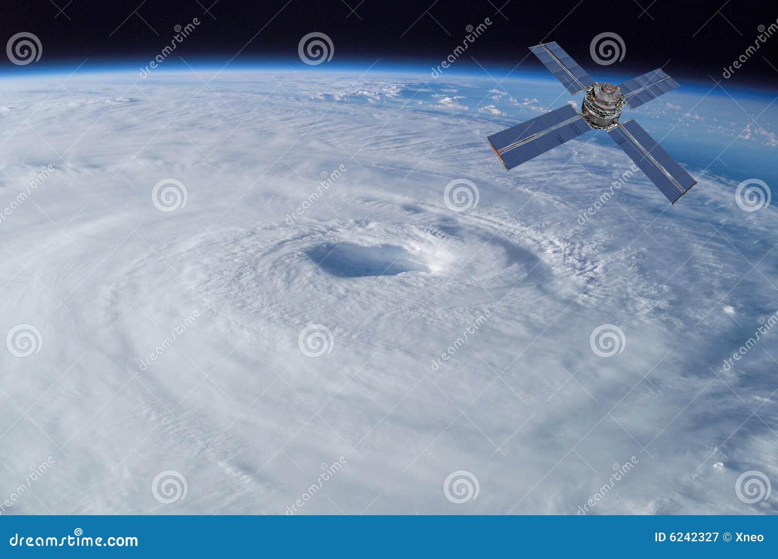 τυφώνας πέρα από το δορυφόρ&om