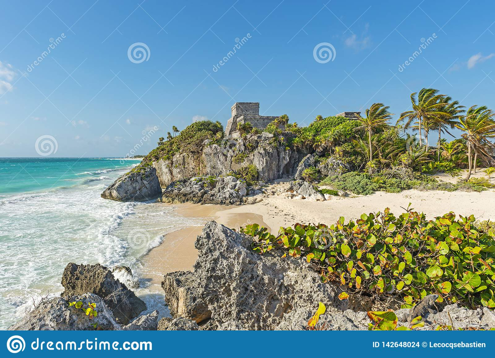 Των Μάγια καταστροφές Tulum με την ειδυλλιακή παραλία, Μεξικό