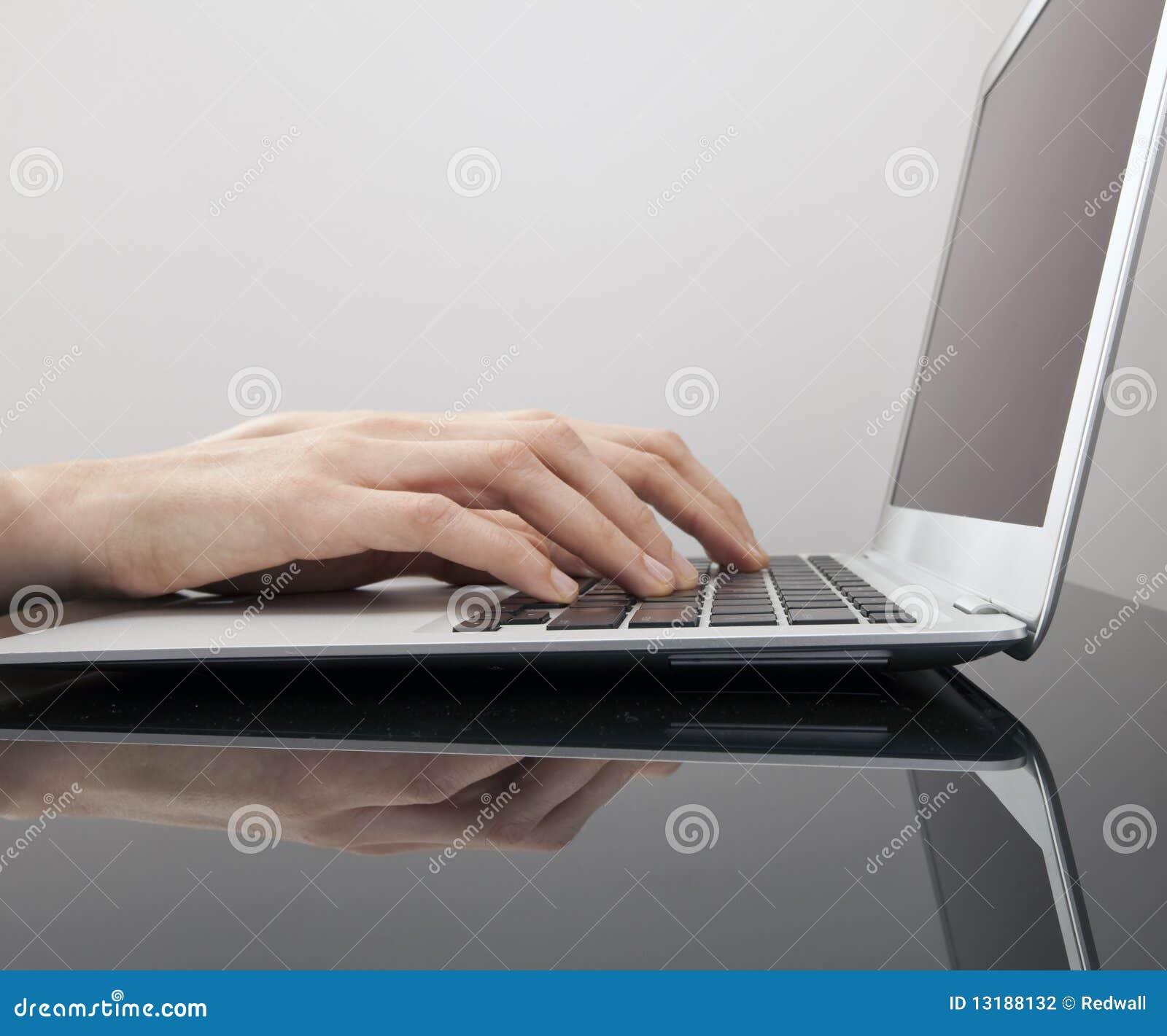 τύπος πληκτρολογίων χερ&io