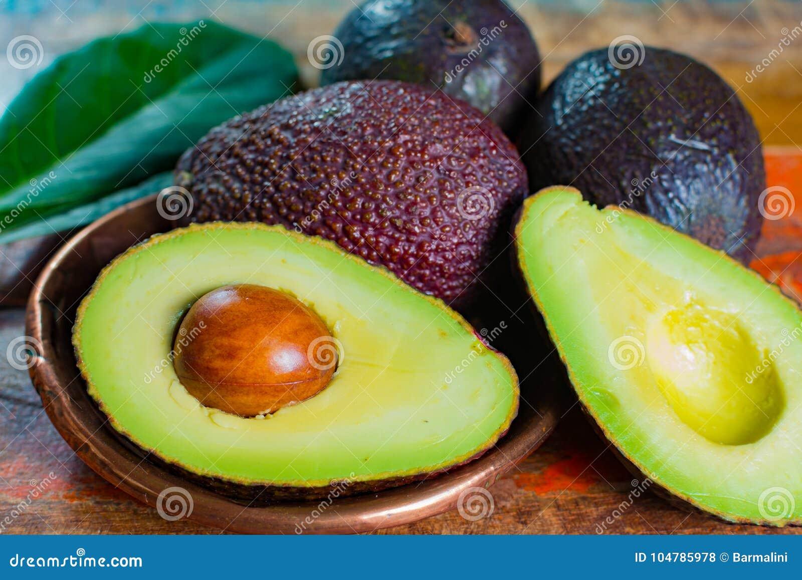 Υγιές χορτοφάγο πράσινο ώριμο αβοκάντο τροφίμων †«, νέα συγκομιδή, πνεύμα