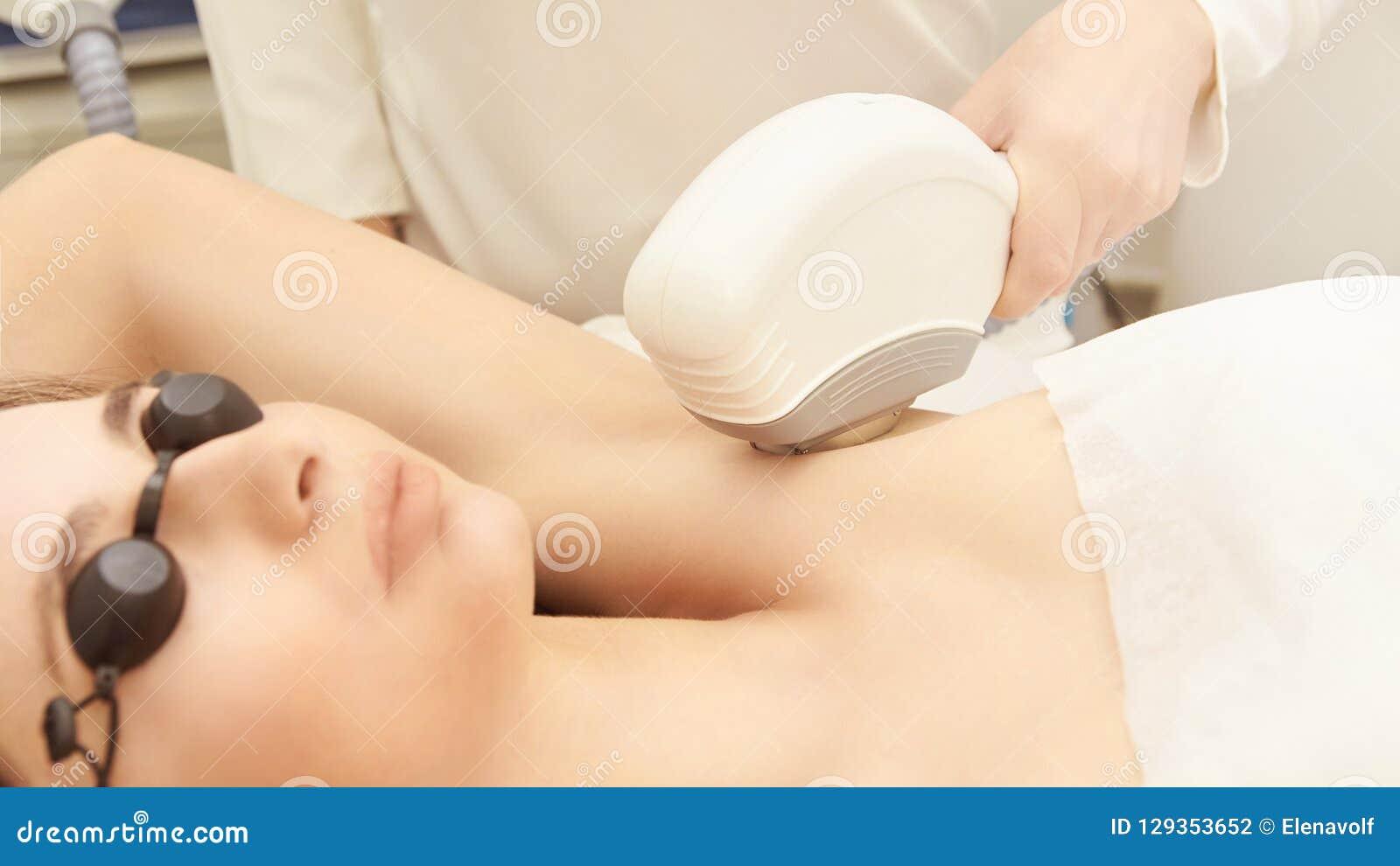 Υπηρεσία αφαίρεσης λέιζερ τρίχας IPL cosmetology συσκευή Επαγγελματικές συσκευές Μαλακή φροντίδα δέρματος γυναικών