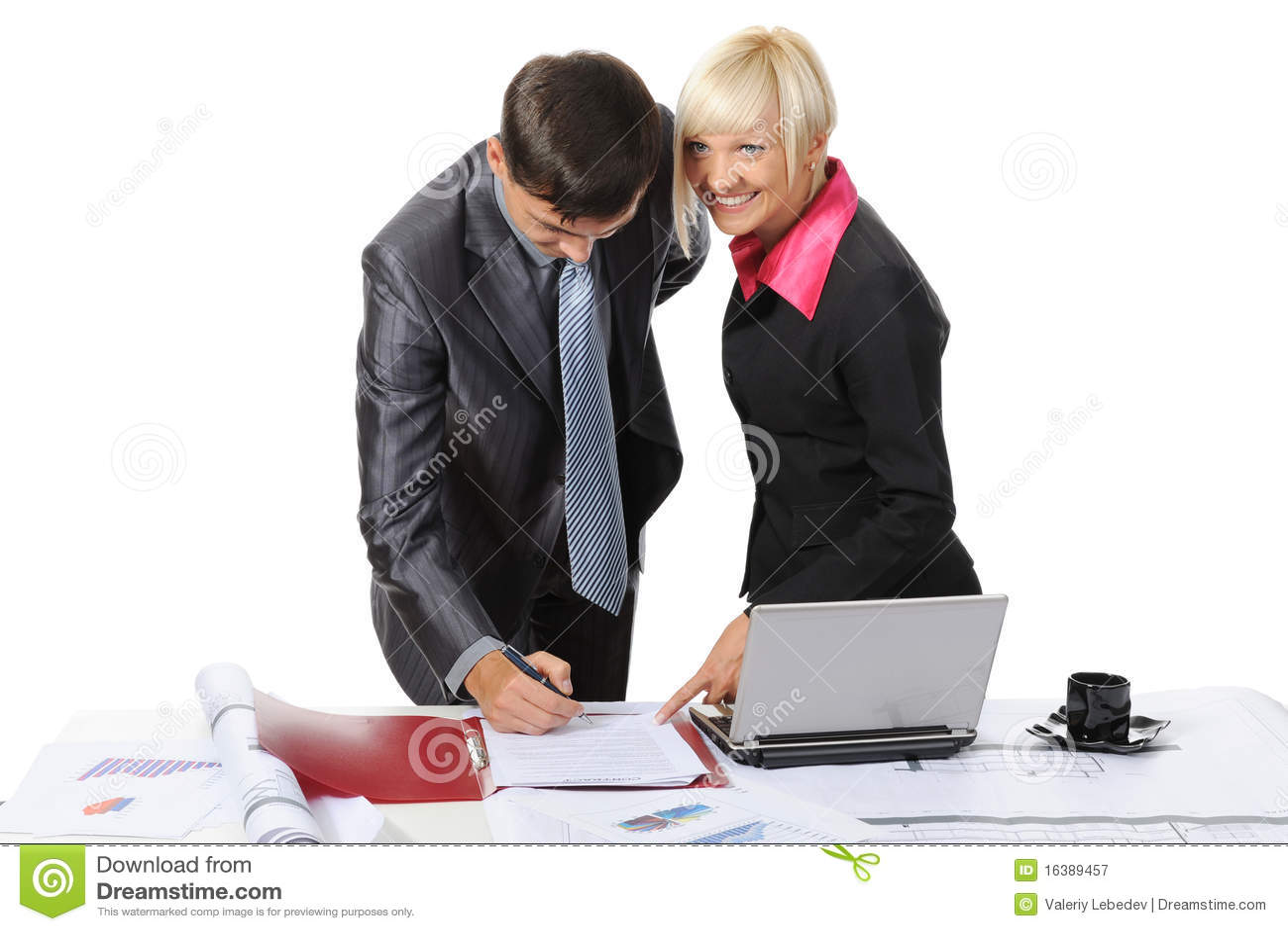 υπογραφή συνεργατών εγγ
