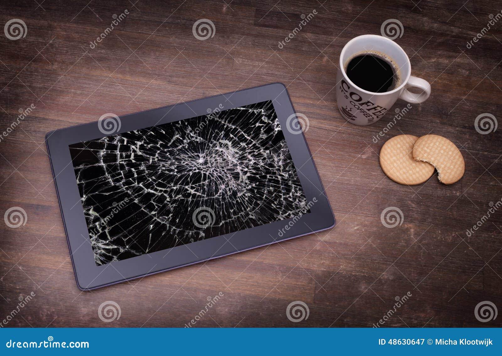 Υπολογιστής ταμπλετών με το σπασμένο γυαλί