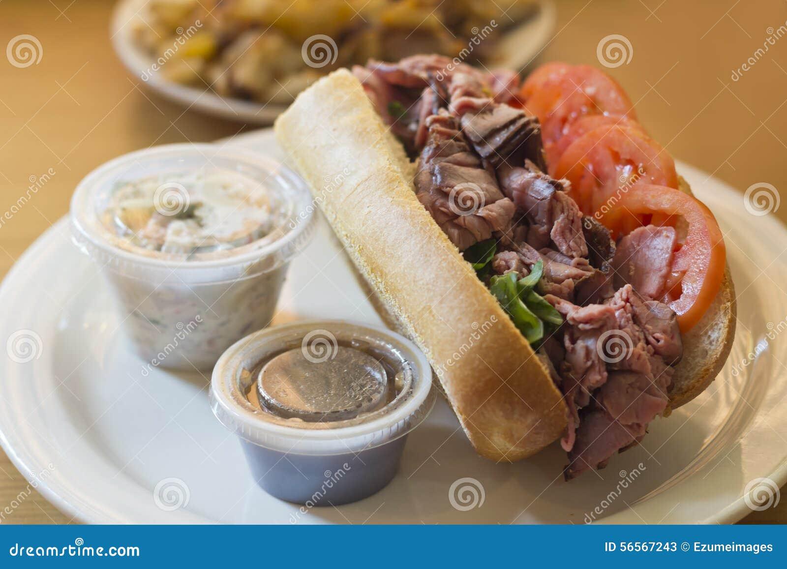 Download Υπο- σάντουιτς βόειου κρέατος ψητού Στοκ Εικόνα - εικόνα από βασικών, deli: 56567243