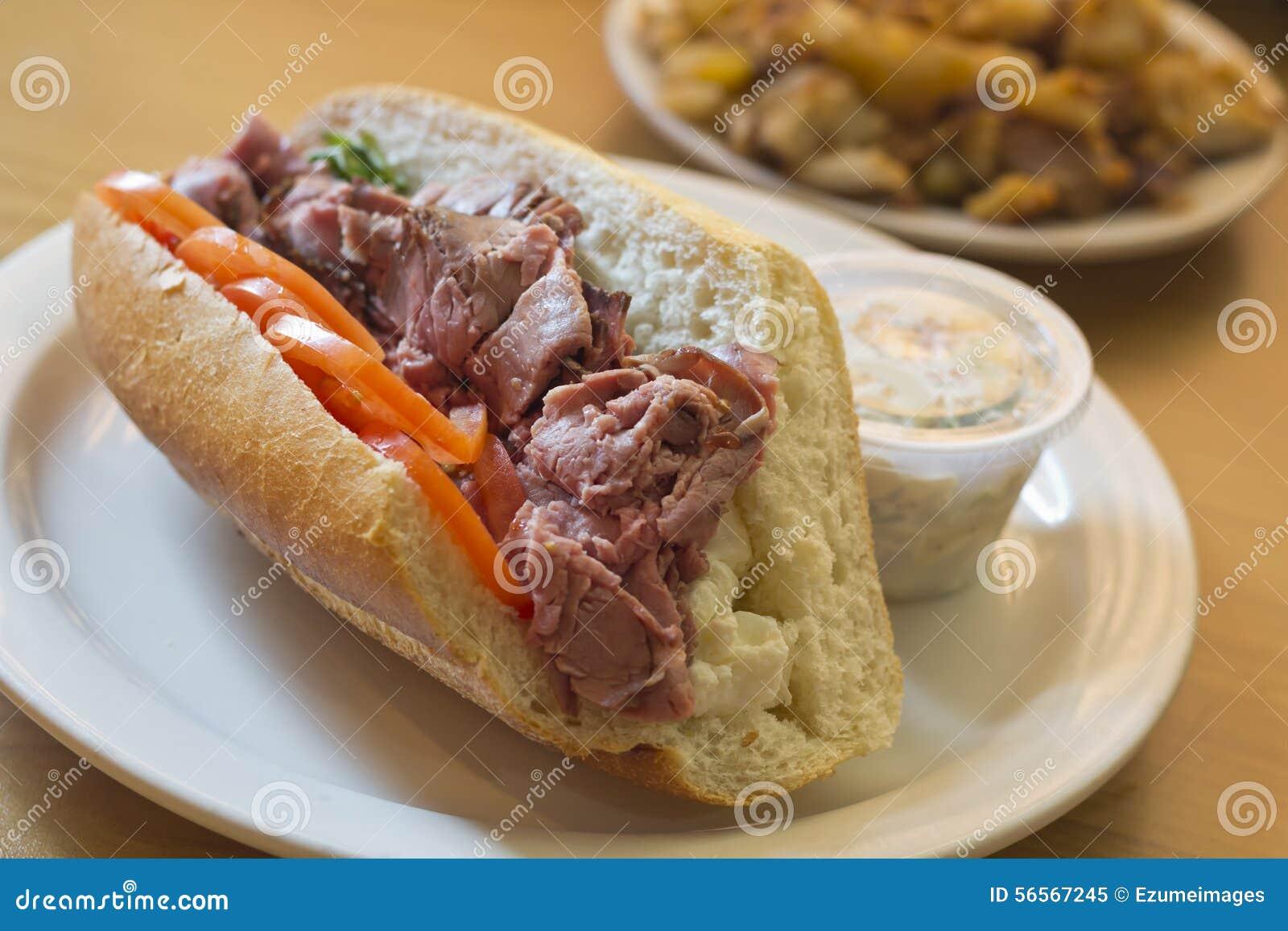 Download Υπο- σάντουιτς βόειου κρέατος ψητού Στοκ Εικόνα - εικόνα από τηγανητά, κουζίνα: 56567245