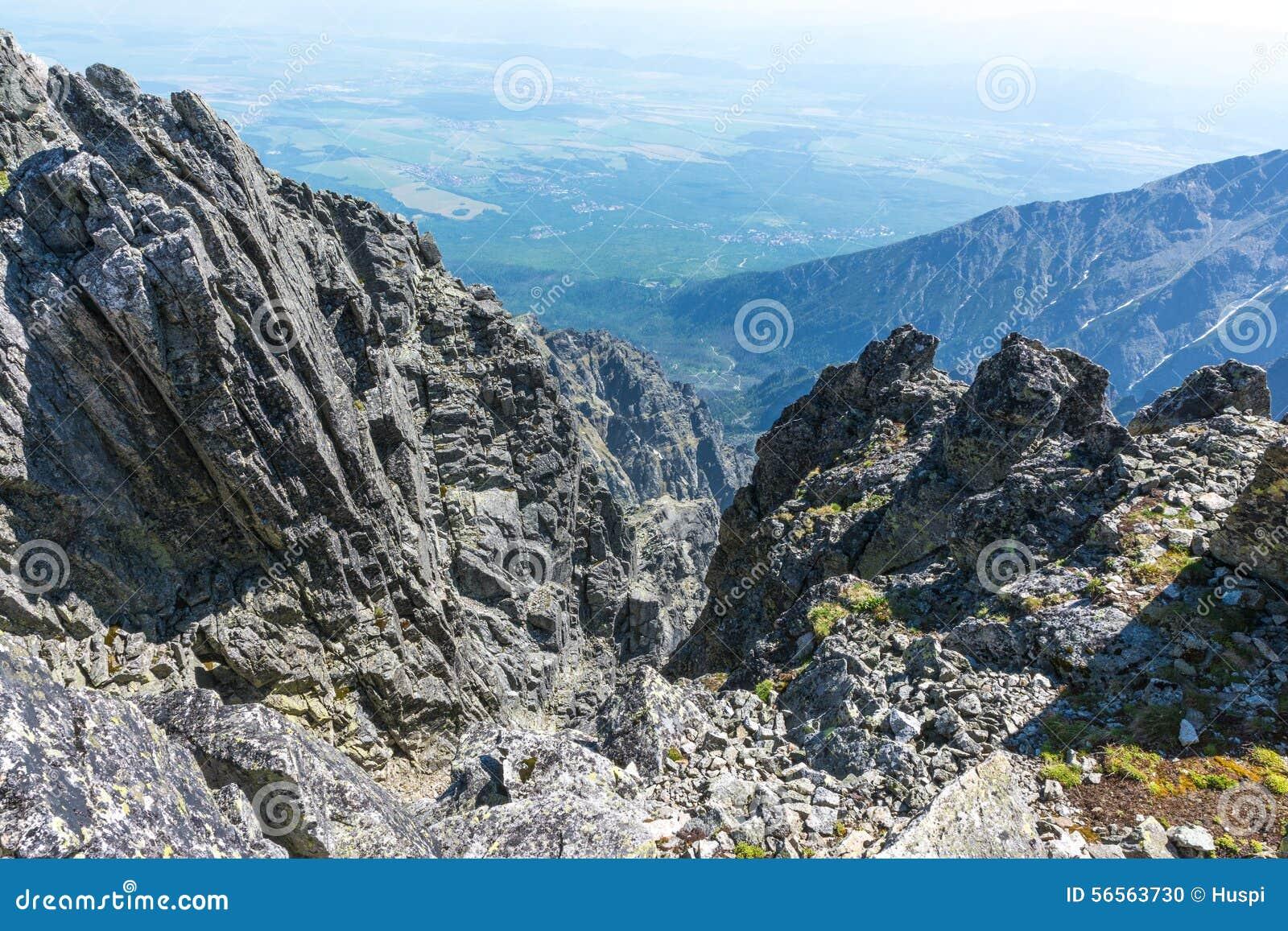 Download Υψηλό Tatras, τοπίο από Lomnicky Stit Στοκ Εικόνες - εικόνα από τουρισμός, έξω: 56563730