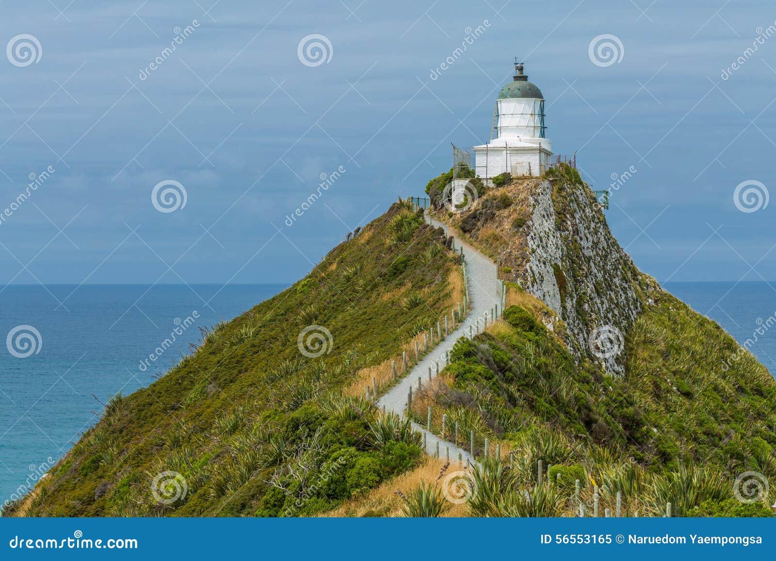 Download Φάρος στο σημείο Νέα Ζηλανδία ψηγμάτων Στοκ Εικόνα - εικόνα από νέος, λόφος: 56553165