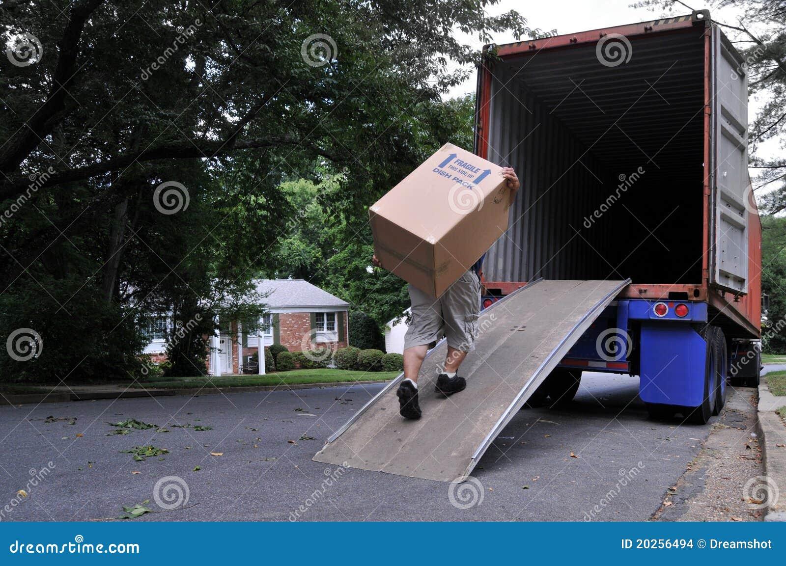 φέρνοντας κινούμενο truck κιβ&o