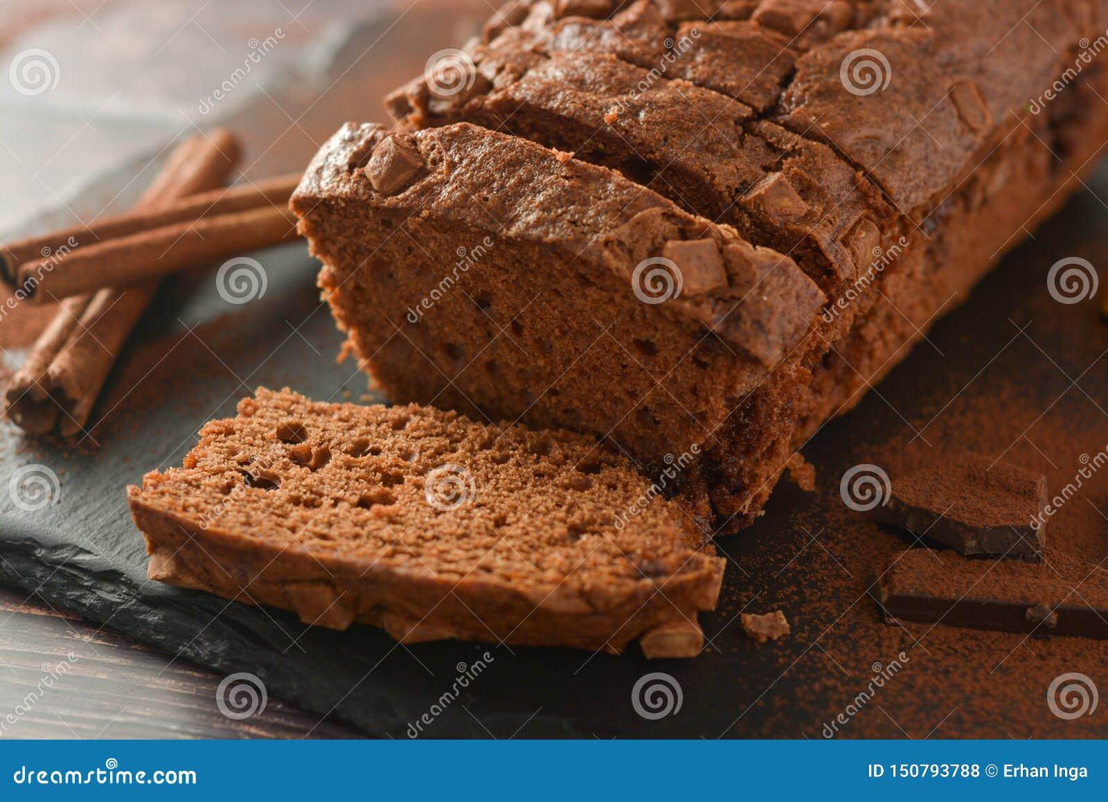 Φέτα του κέικ σοκολάτας σφουγγαριών Σοκολάτα, σπιτικό επιδόρπιο