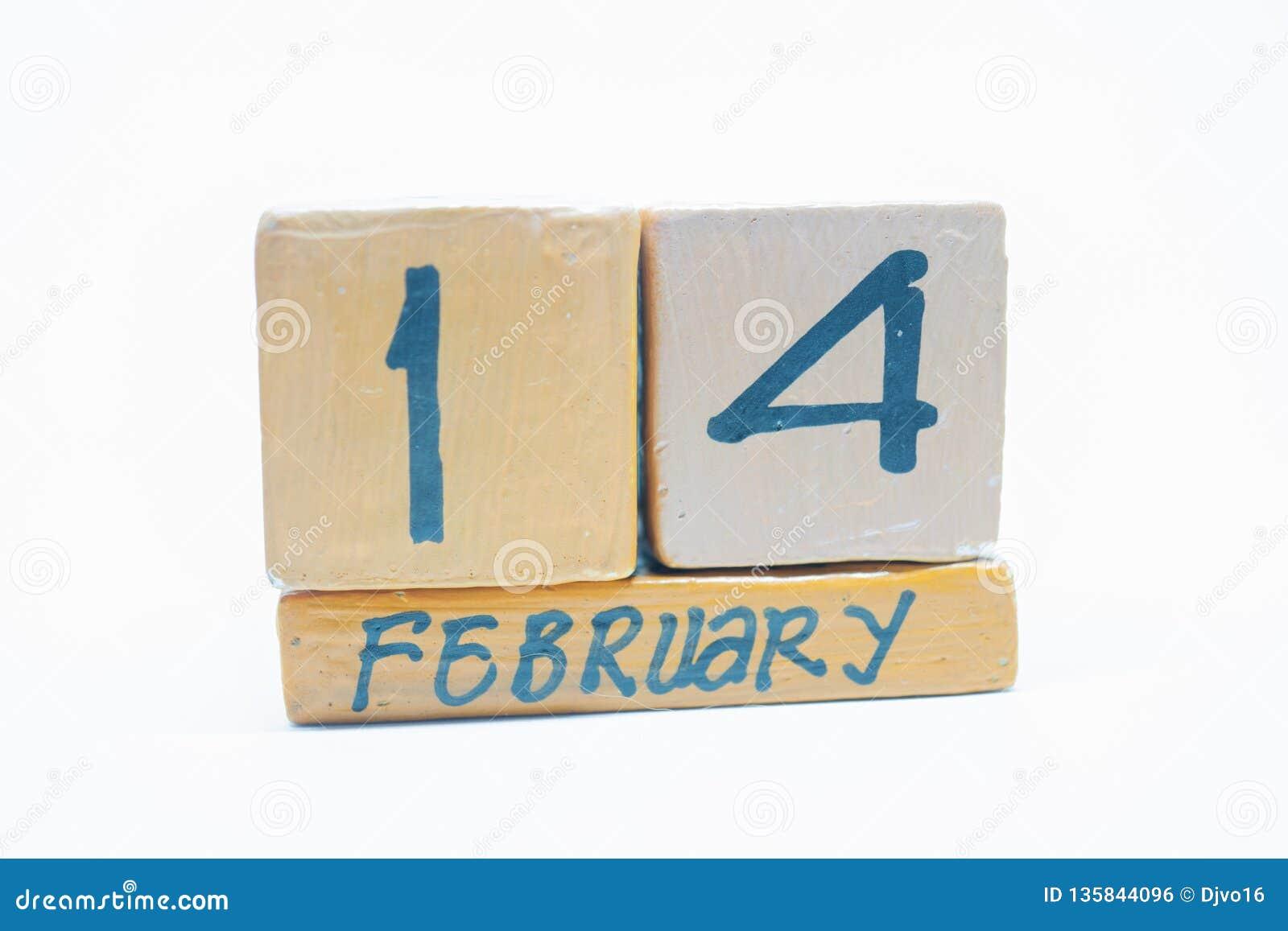 14 Φεβρουαρίου Ημέρα 14 του μήνα, χειροποίητο ξύλινο ημερολόγιο που απομονώνεται στο άσπρο υπόβαθρο Χειμωνιάτικος μήνας, ημέρα τη