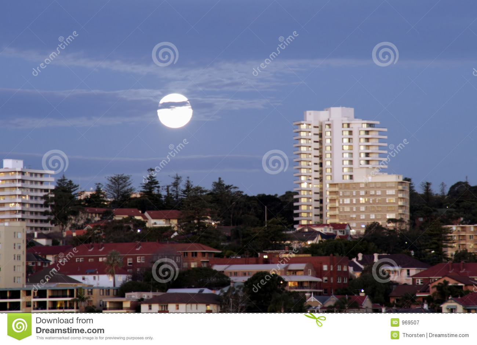 φεγγάρι πόλεων