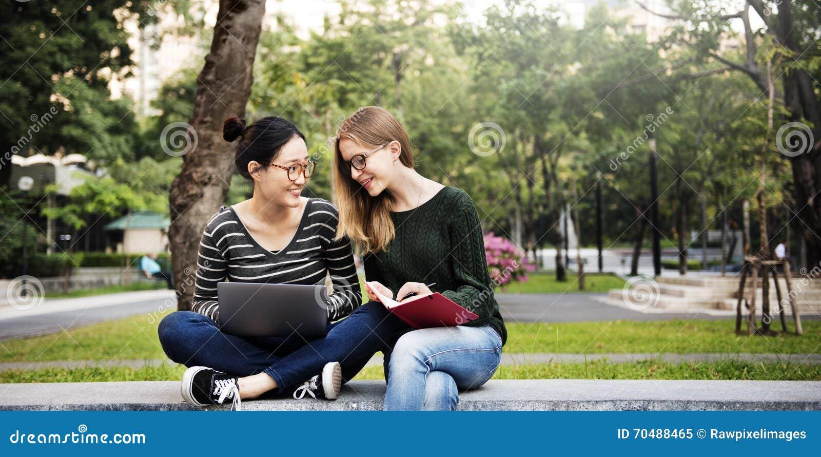 Φιλία και dating σύνδεση