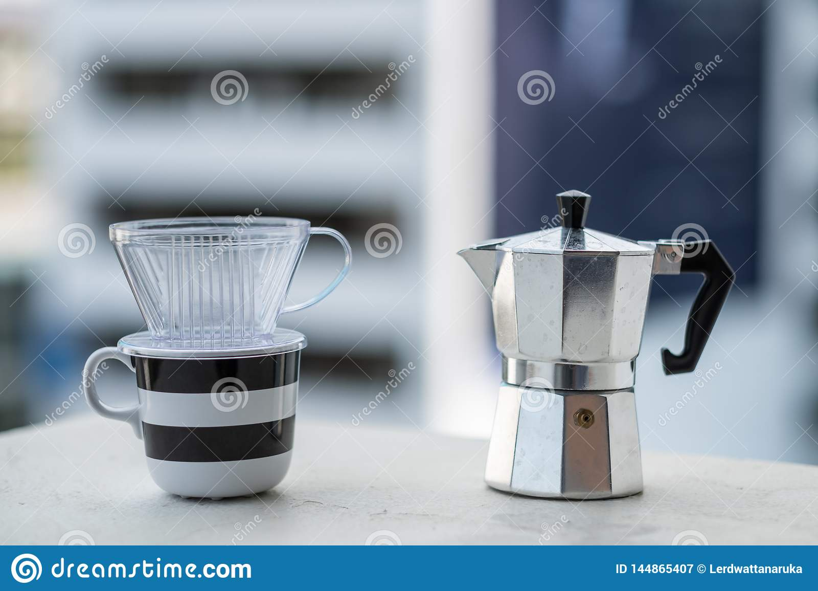 Φλυτζάνι καφέ Mokapot και dripper