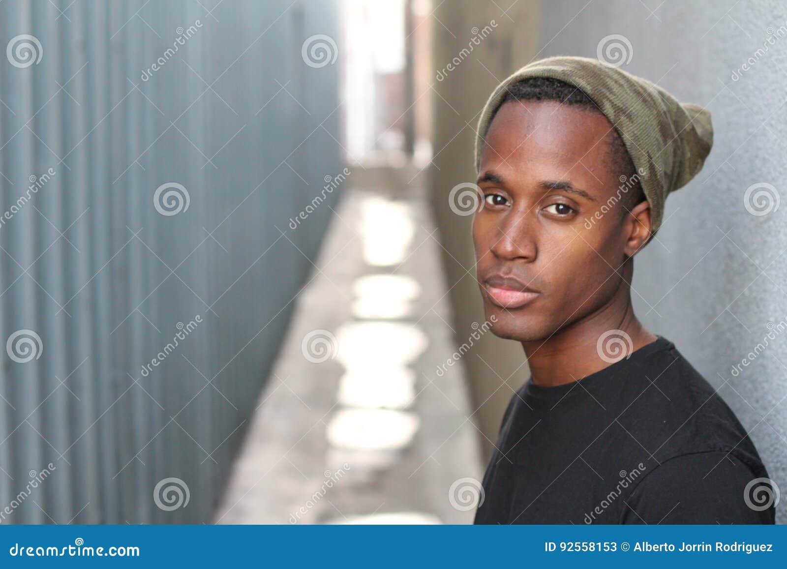 Φοβιτσιάρης νέος αφρικανικός τύπος - εικόνα αποθεμάτων