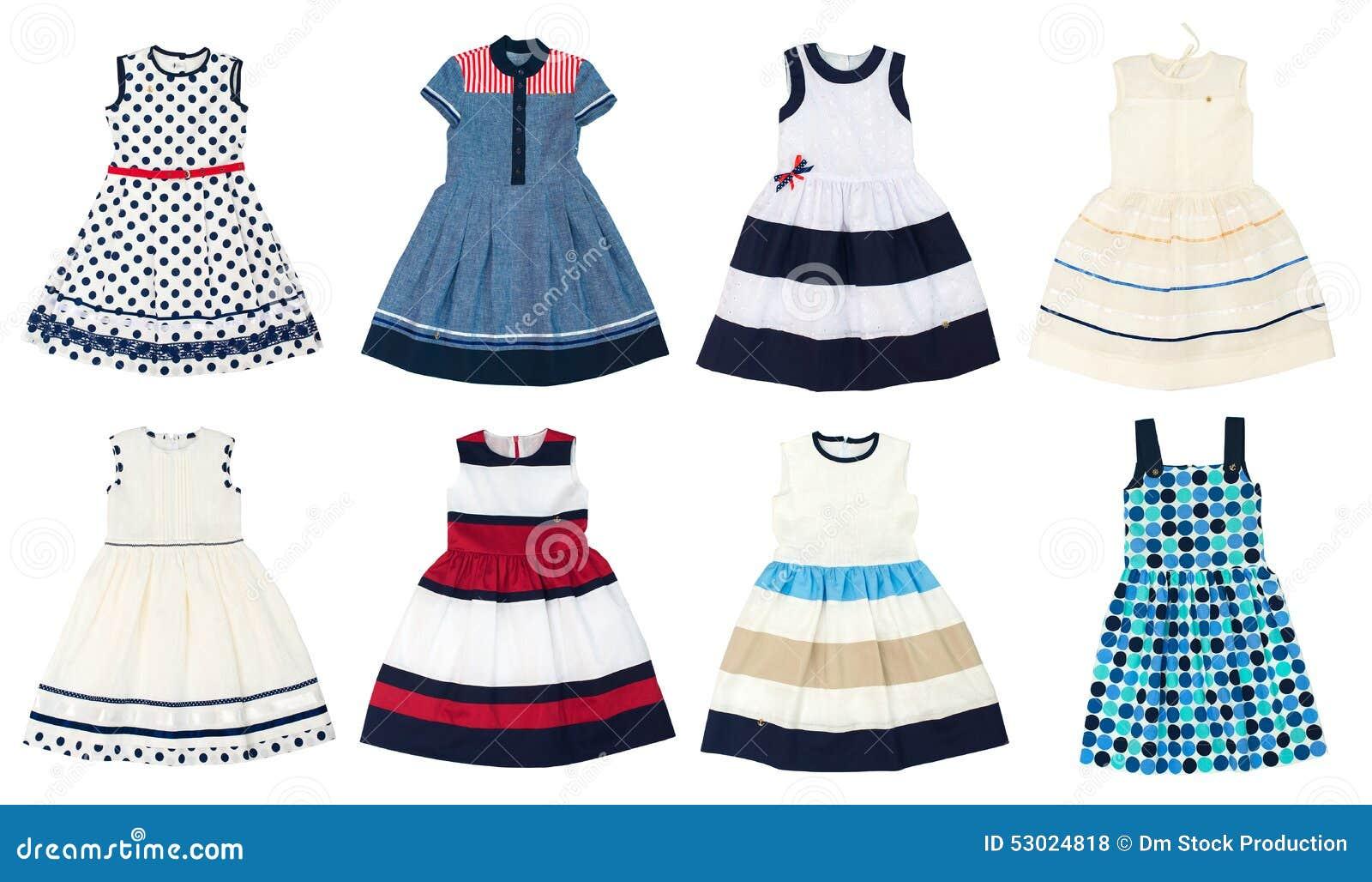 c858887826 Φορέματα κοριτσιών που απομονώνονται στο άσπρο υπόβαθρο Στοκ Εικόνες ...