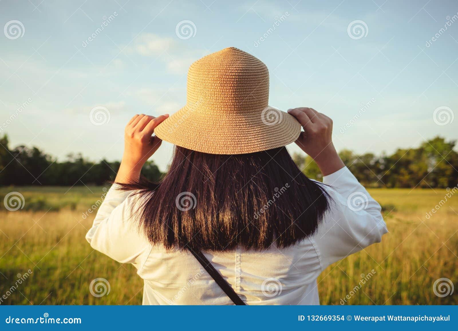 Φορέστε το καπέλο και περιπλανηθείτε