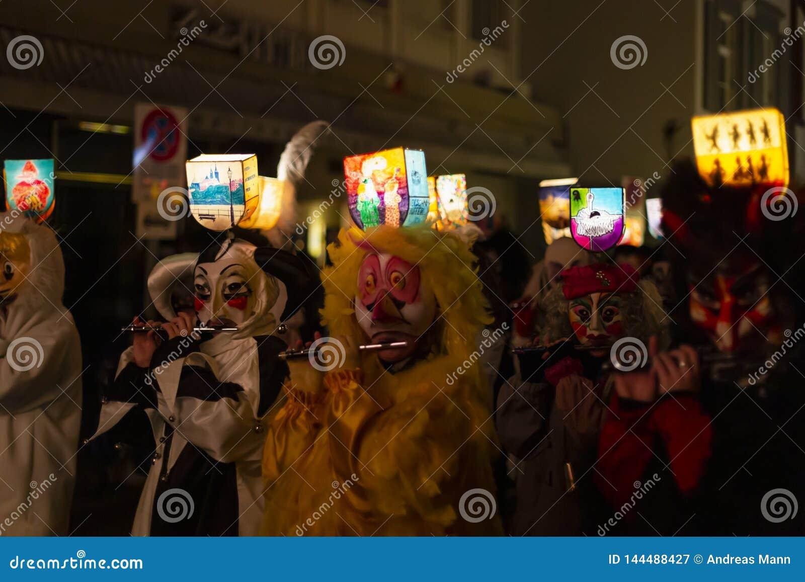 Φορείς φλαούτων παρελάσεων morgestraich της Βασιλείας καρναβάλι 2019