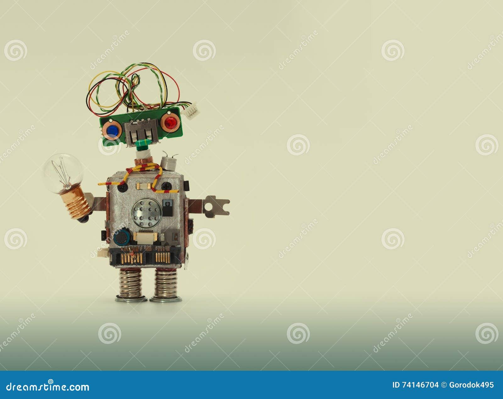 Φουτουριστική έννοια ρομπότ με το ηλεκτρικό καλώδιο hairstyle Ο μηχανισμός παιχνιδιών τσιπ υποδοχών κυκλωμάτων, αστείο κεφάλι, χρ