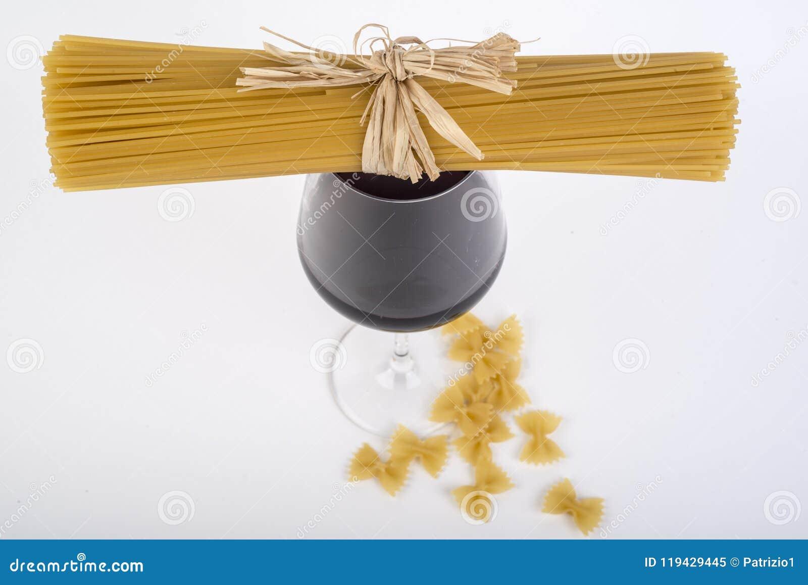Φρέσκα ιταλικά ζυμαρικά, μακαρόνια