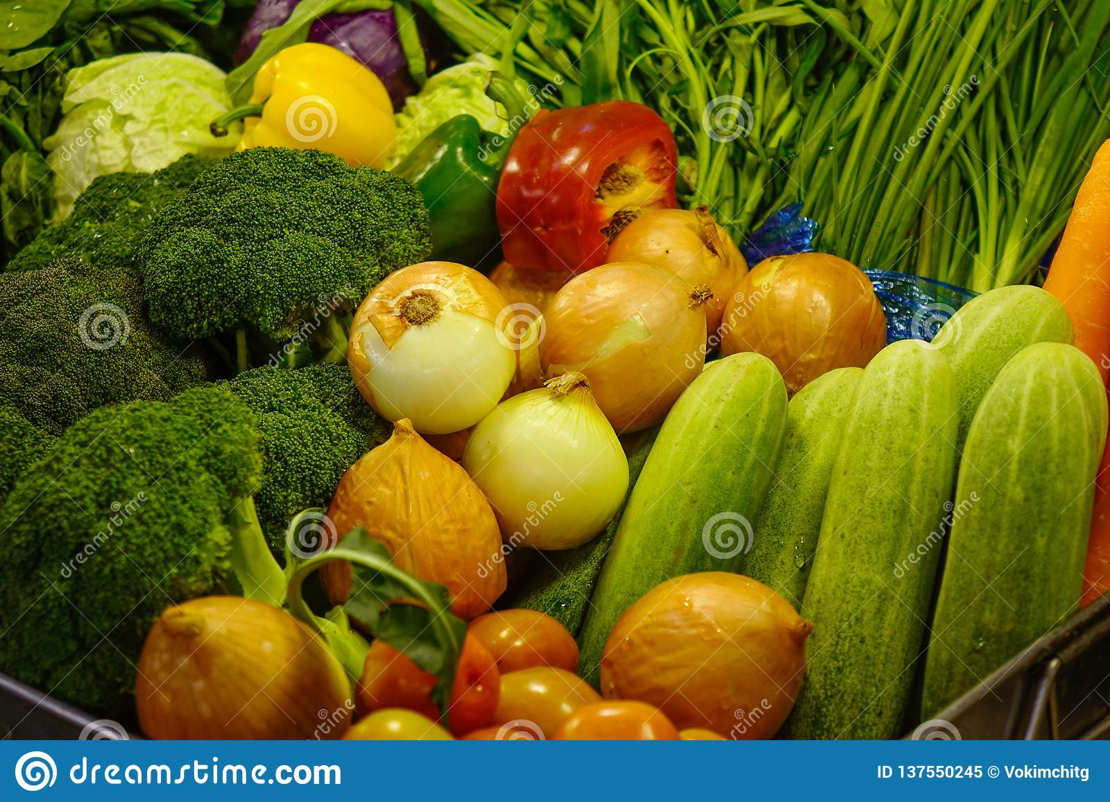 Φρέσκα λαχανικά στην υπεραγορά