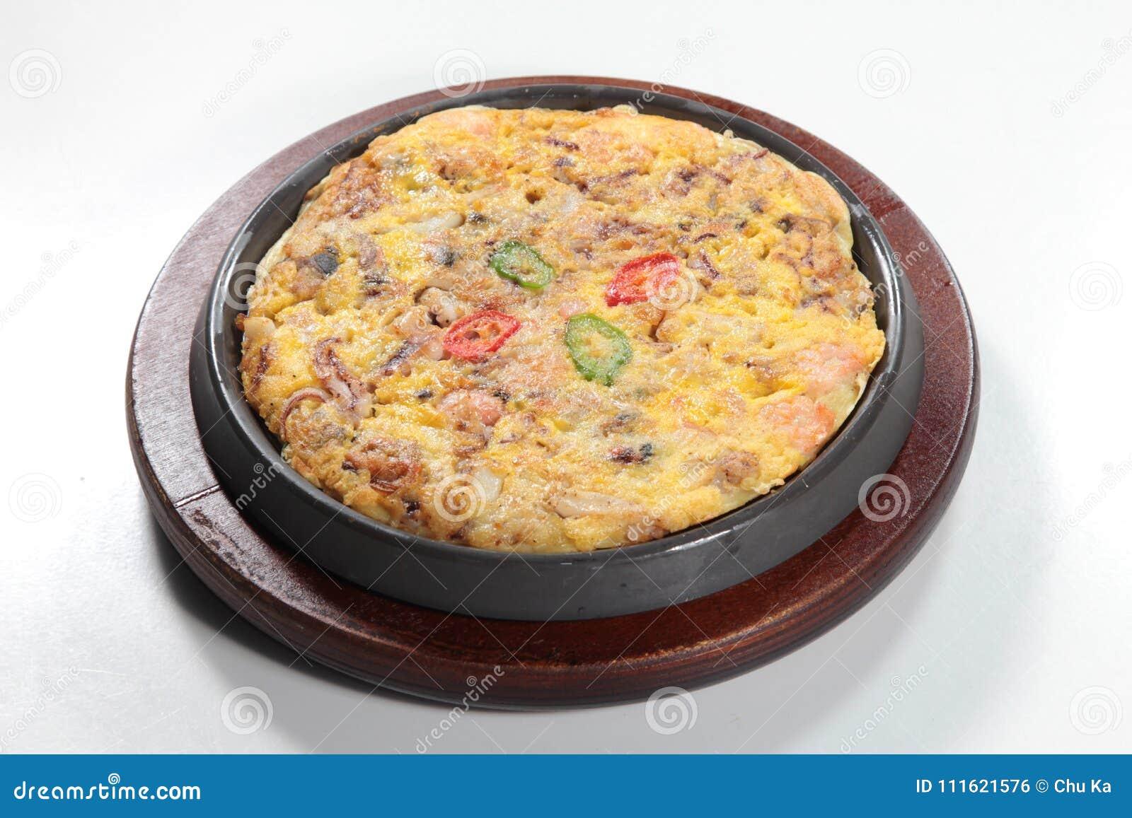 Φρέσκια και νόστιμη ανακατωμένη αυγό ή ομελέτα