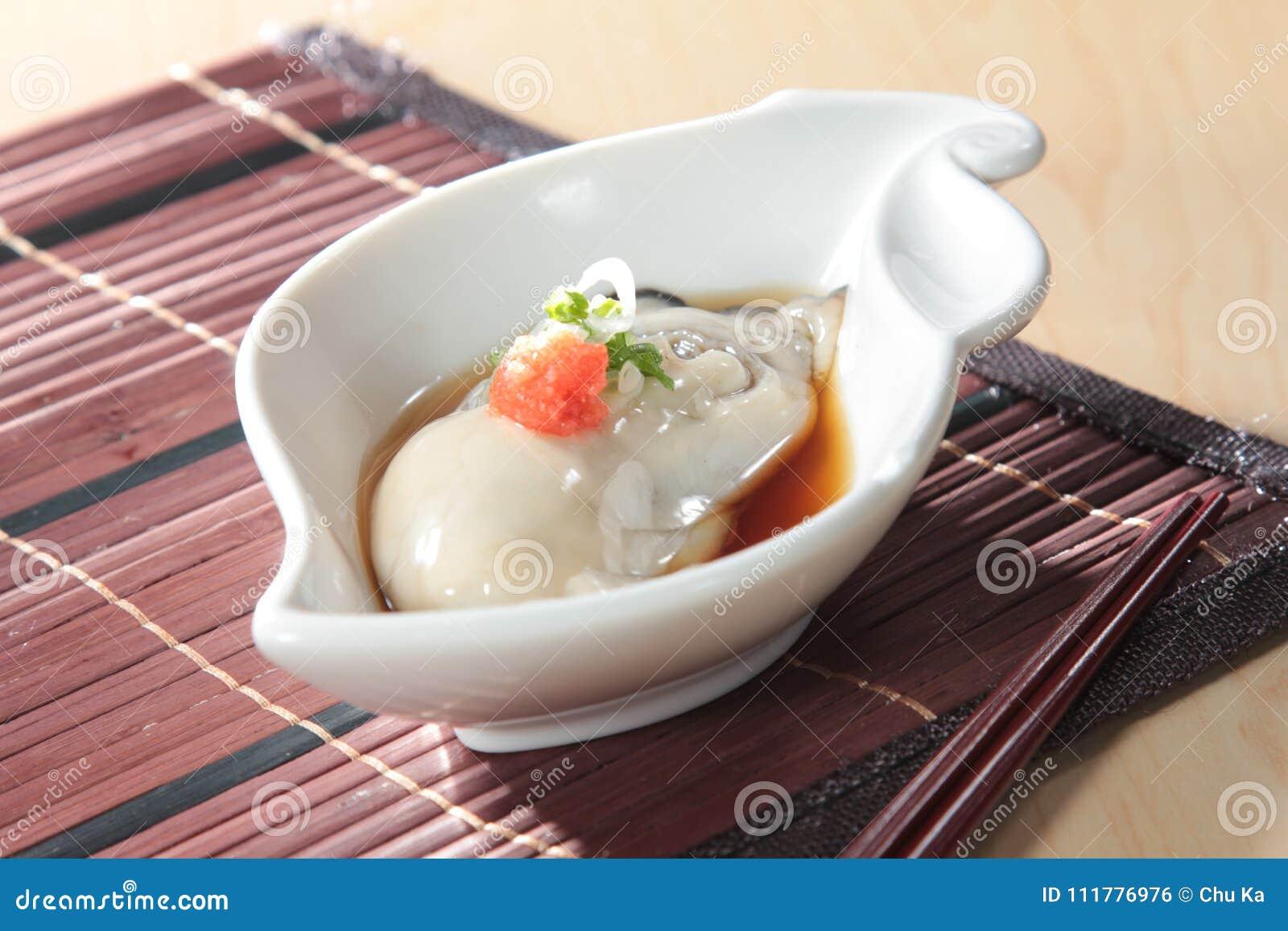 Φρέσκια και νόστιμη κουζίνα θαλασσινών