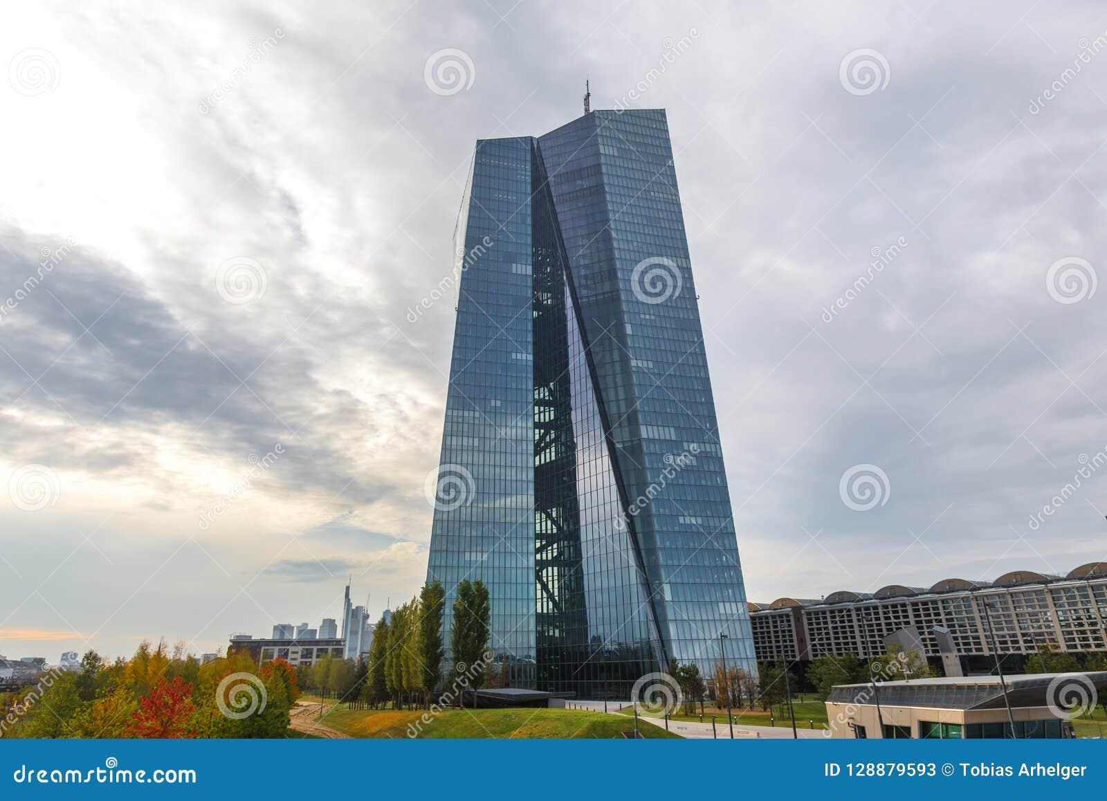 Φρανκφούρτη, hesse/Γερμανία - 11 10 18: κτήριο Ευρωπαϊκών Κεντρικών Τραπεζών στη Φρανκφούρτη Γερμανία