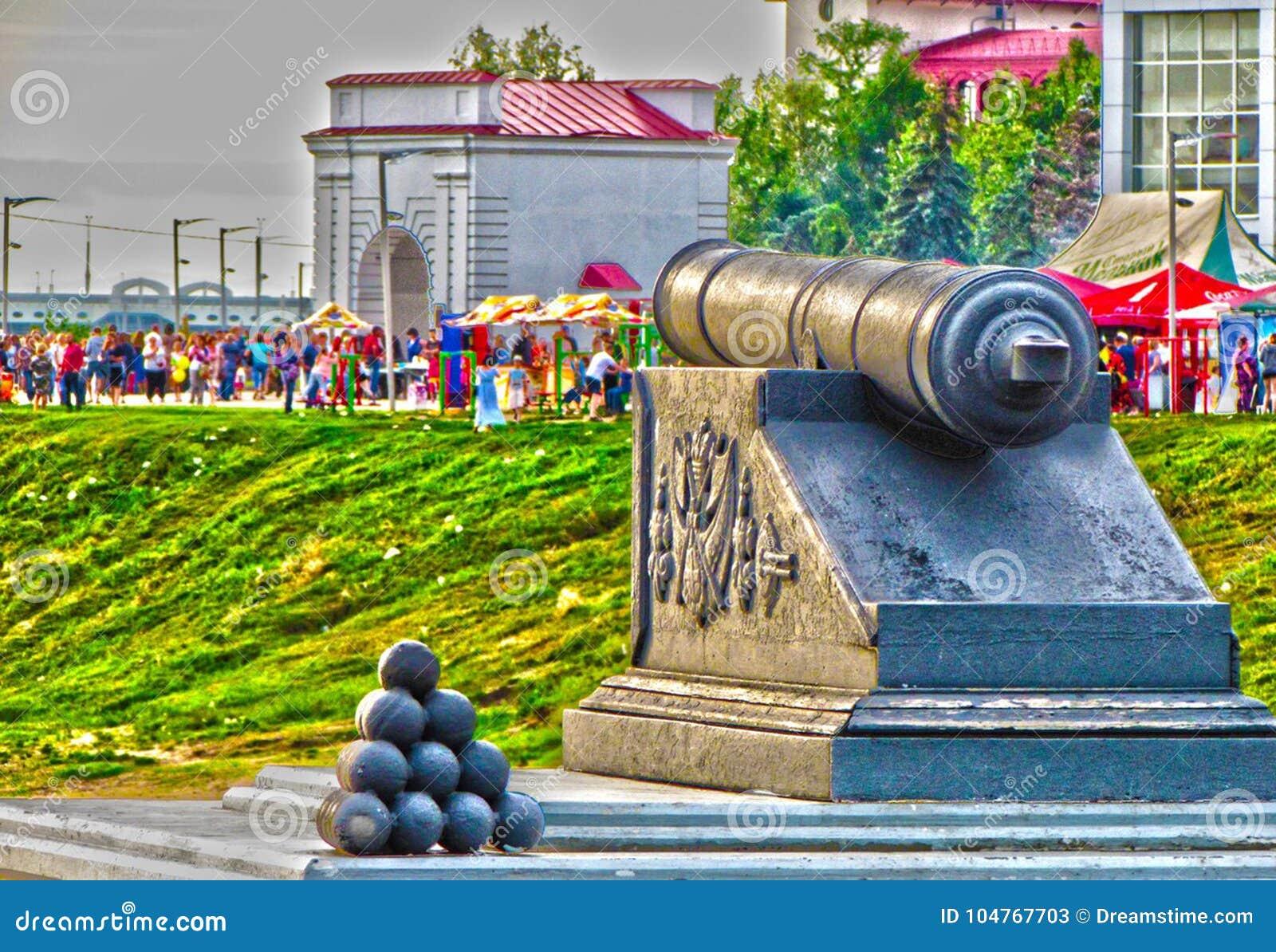 Φρούριο του Ομσκ μνημείων και οι ιδρυτές της πόλης