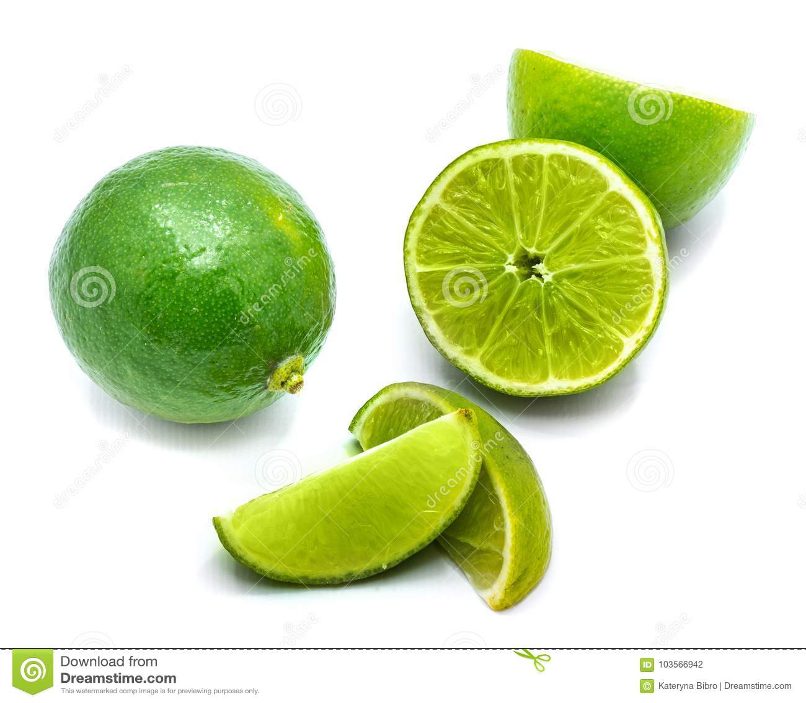 Φρούτα ασβέστη που απομονώνονται στο λευκό
