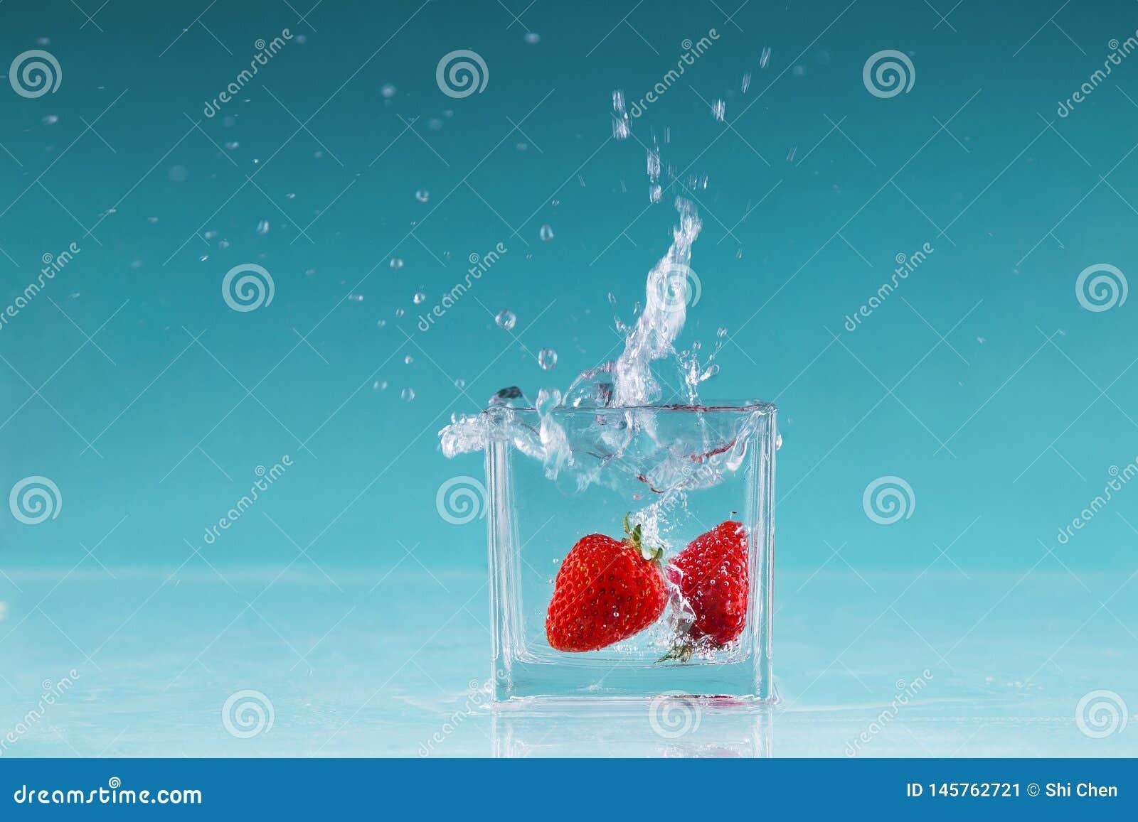 Φωτογραφία υψηλής ταχύτητας φρούτων φραουλών