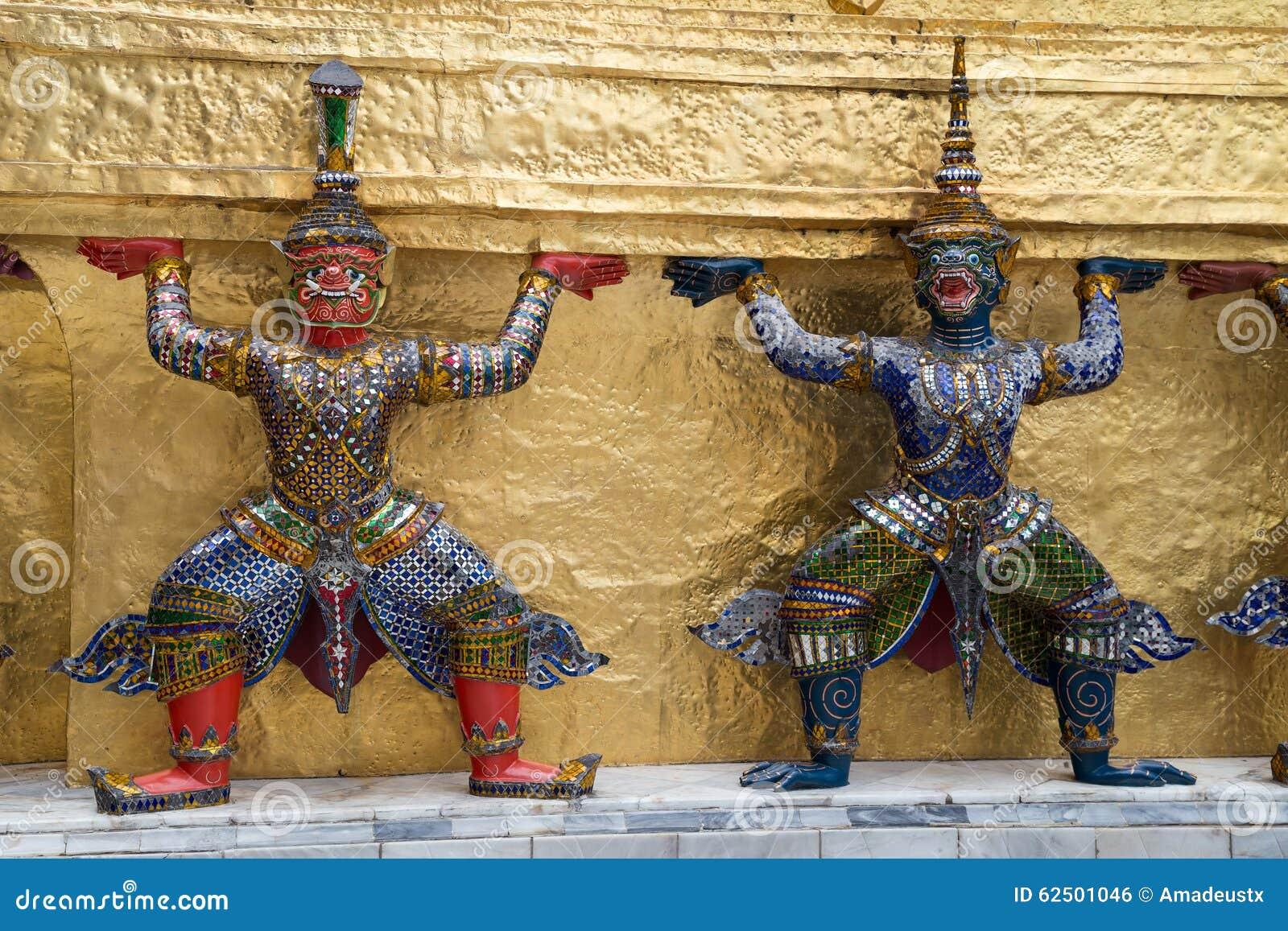 Φύλακες πολεμιστών στο ναό του σμαραγδένιου Βούδα σύνθετου