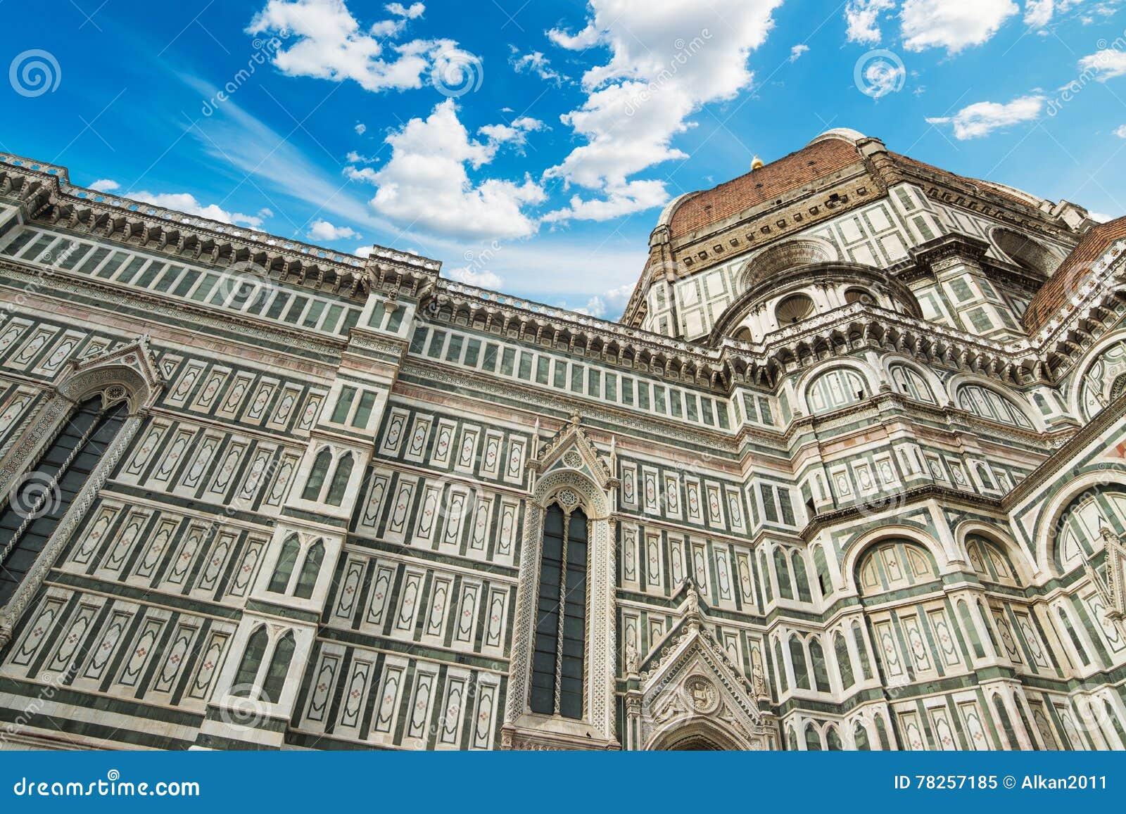 Φλωρεντία Duomo κάτω από έναν μπλε ουρανό