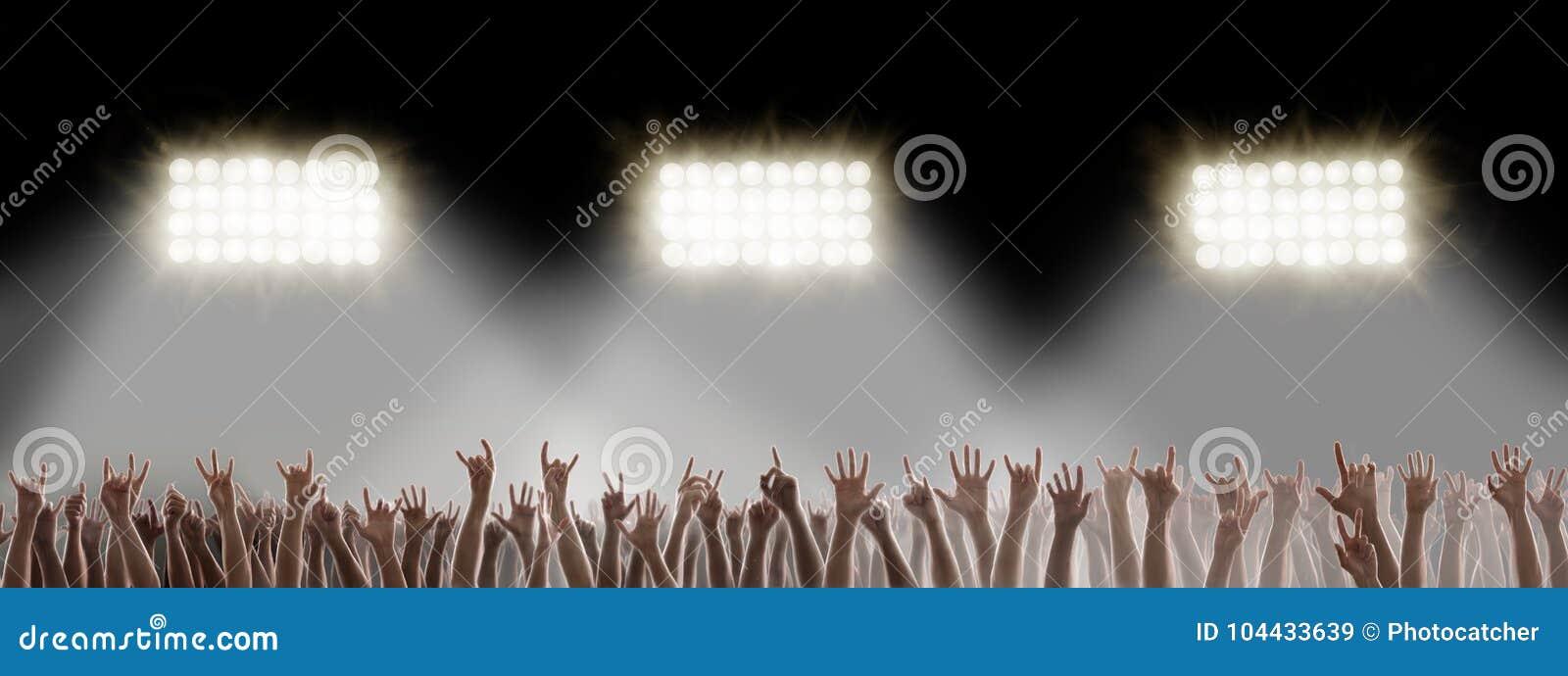 Χέρια στη συναυλία βράχου