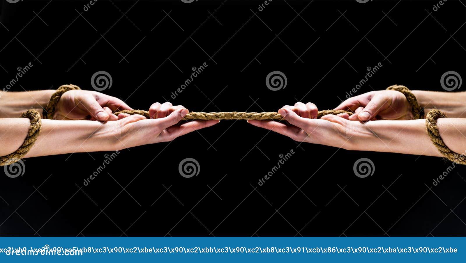 Χέρι ατόμων που διατηρεί το σχοινί Χέρι που κρατά τα σχοινιά Σύγκρουση, σύγκρουση, σχοινί Διάσωση, που βοηθά τη χειρονομία ή τα χ