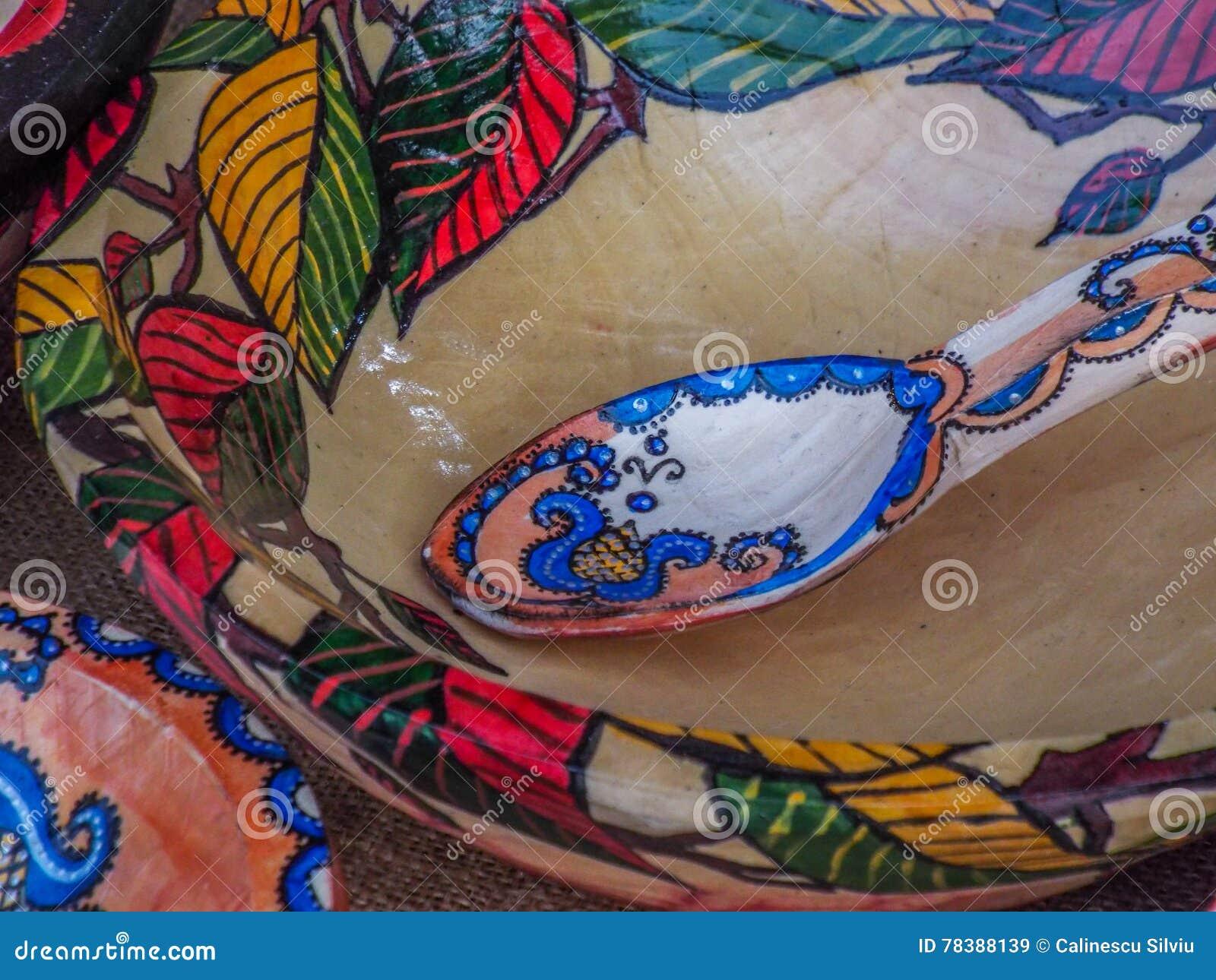Χέρι - γίνοντα ρουμανικό αντικείμενο στην παραδοσιακή έκθεση φθινοπώρου