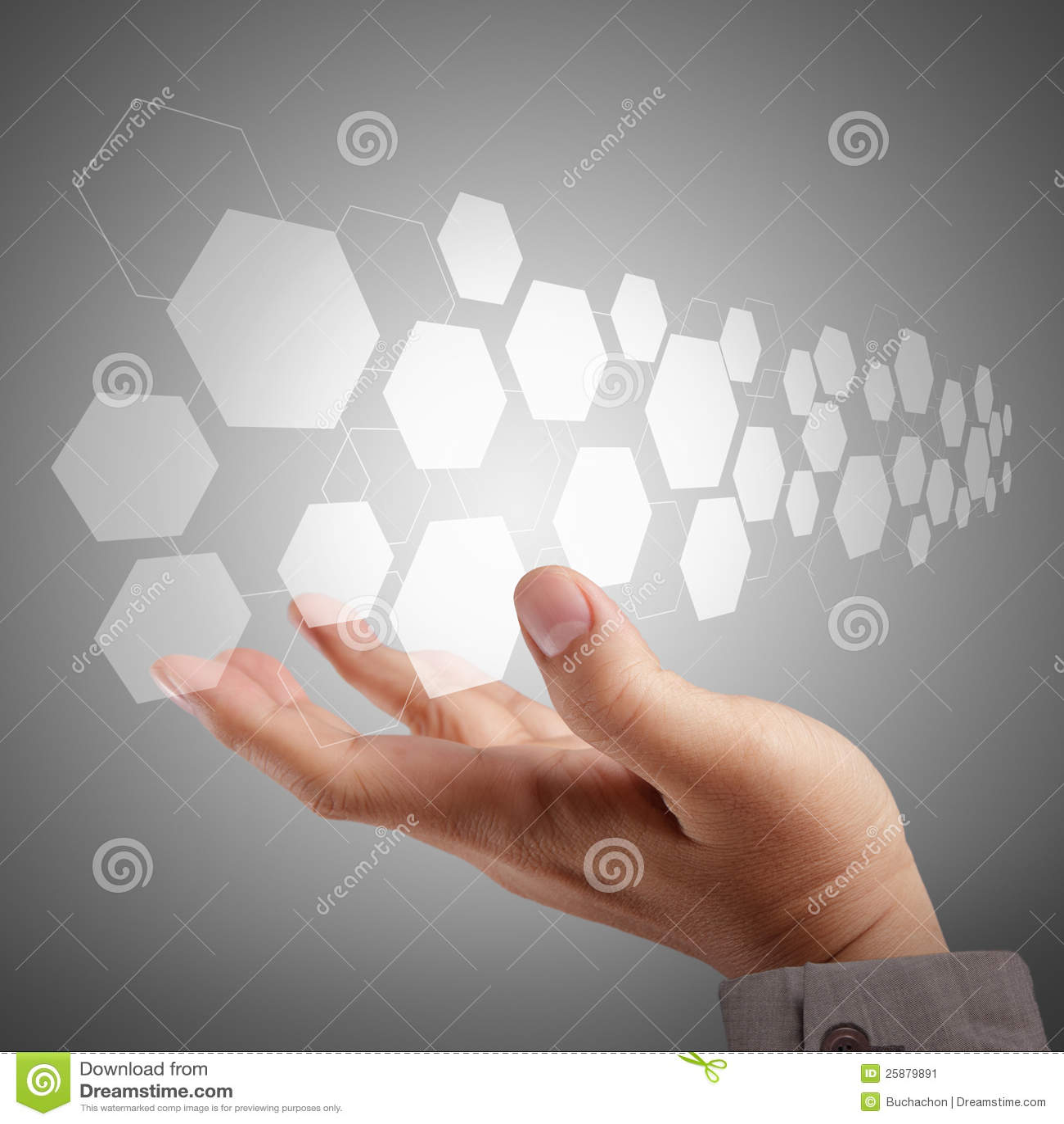 Χέρι που ωθεί σε μια εικονική διαπροσωπεία οθόνης αφής